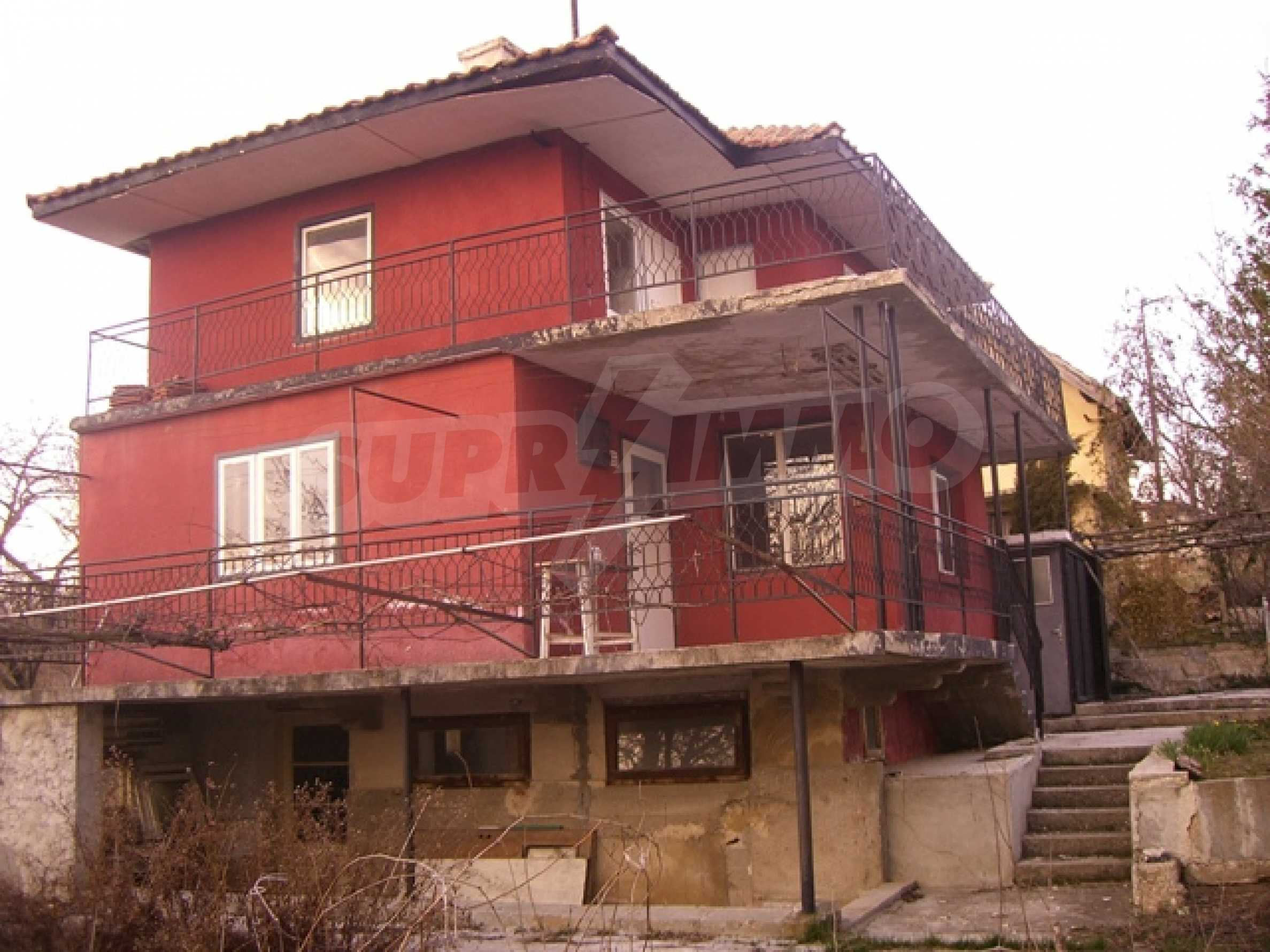 Haus am Fluss Kamchia 1