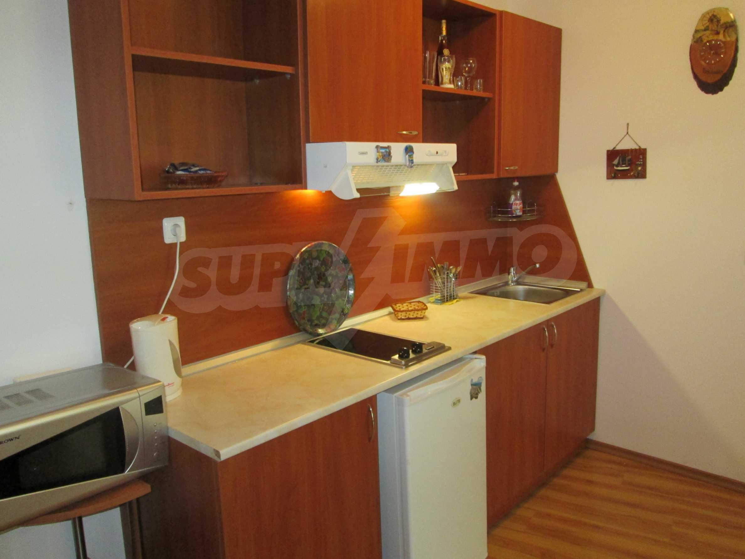 Komplett eingerichtete Wohnung mit einem Schlafzimmer am Strand 2