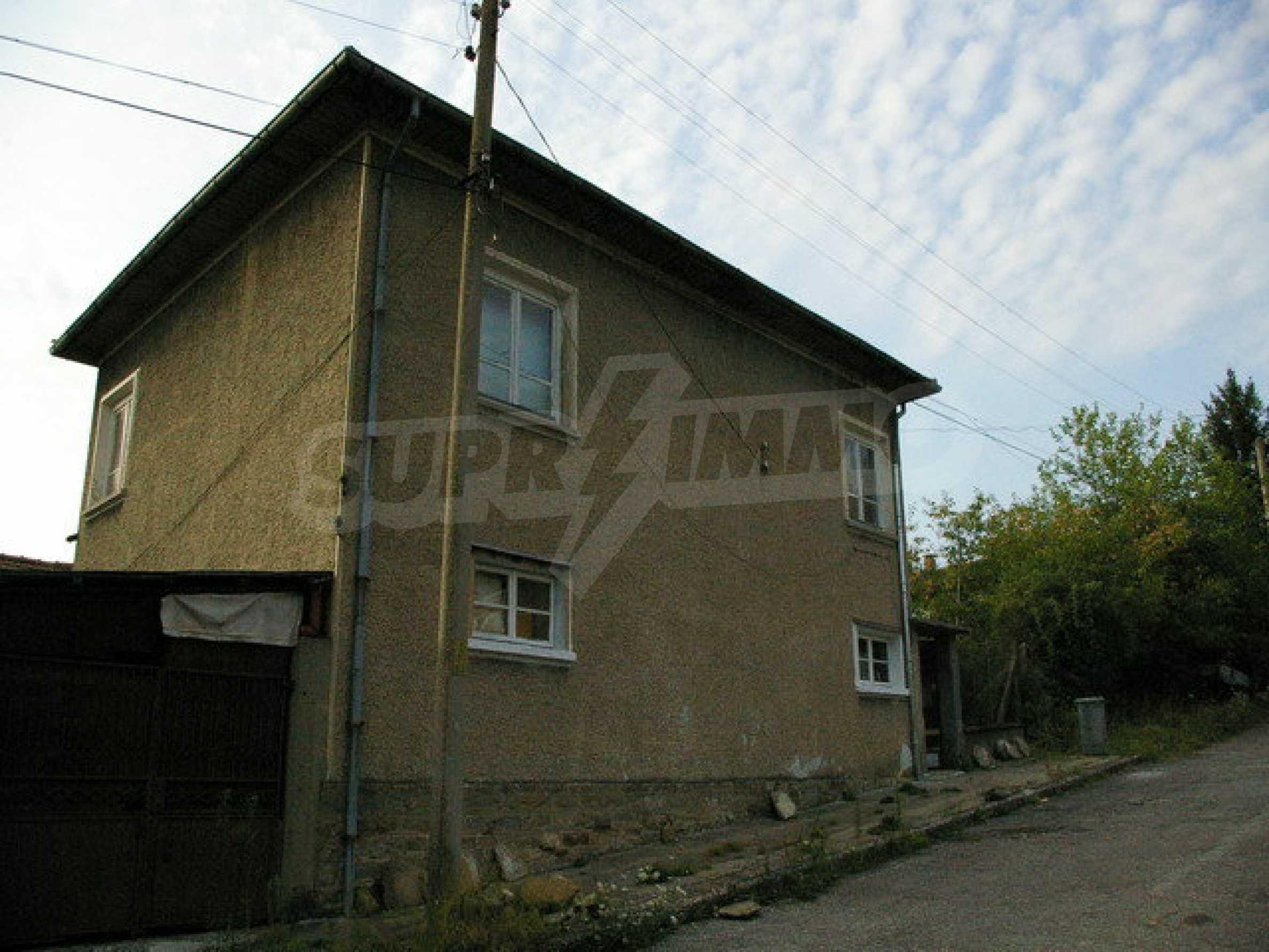 Spacious house with garage in an area with beautiful scenery