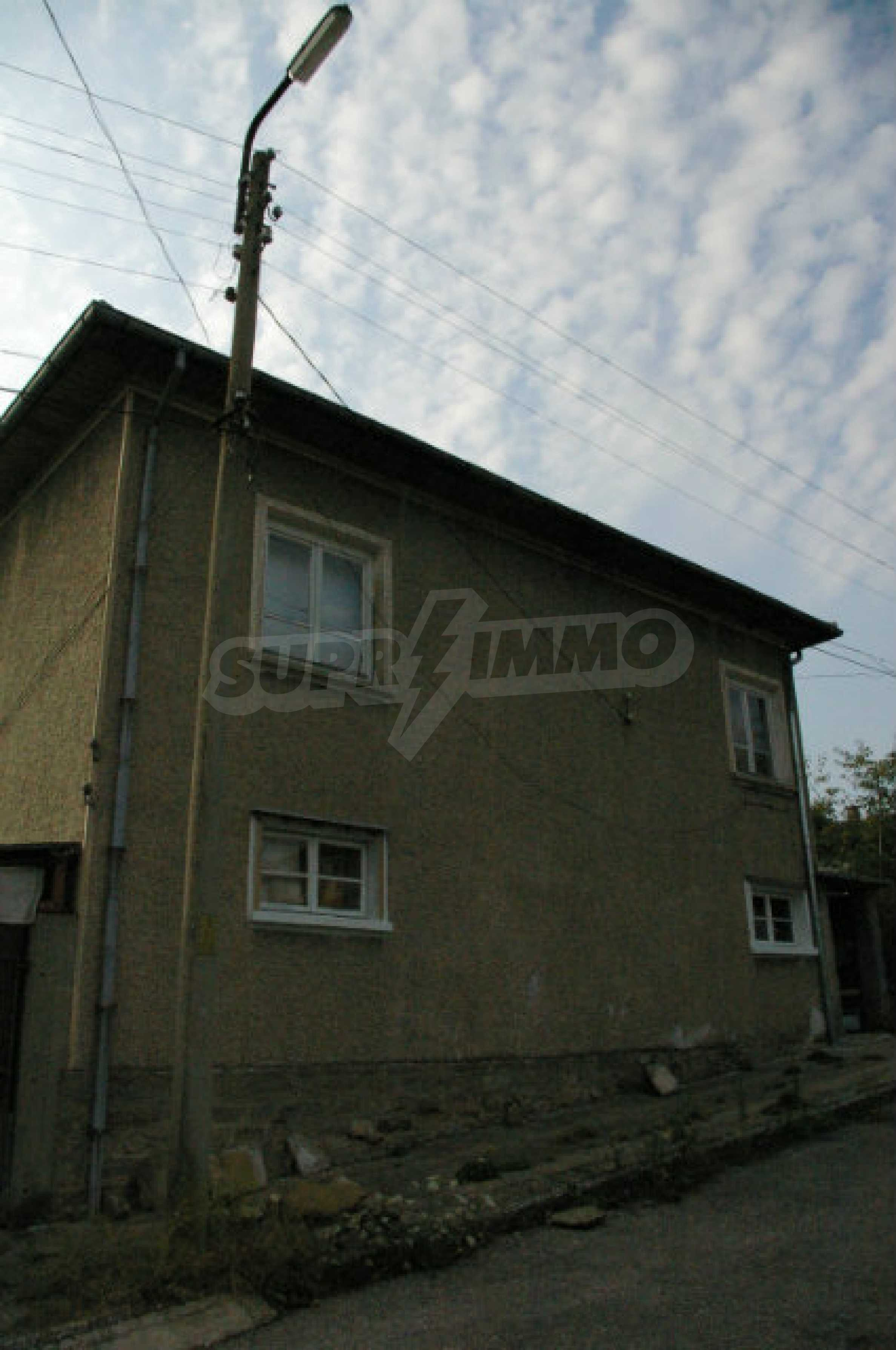 Spacious house with garage in an area with beautiful scenery 3