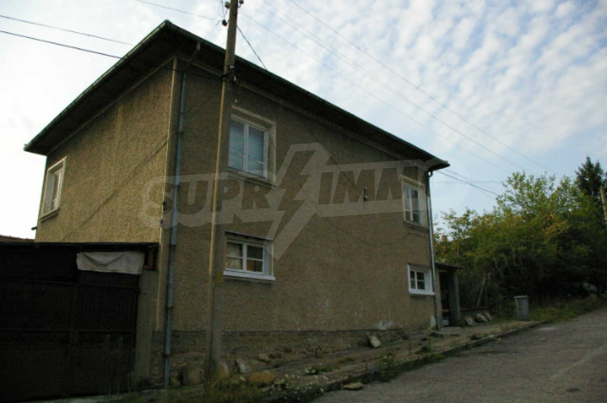 Spacious house with garage in an area with beautiful scenery 4