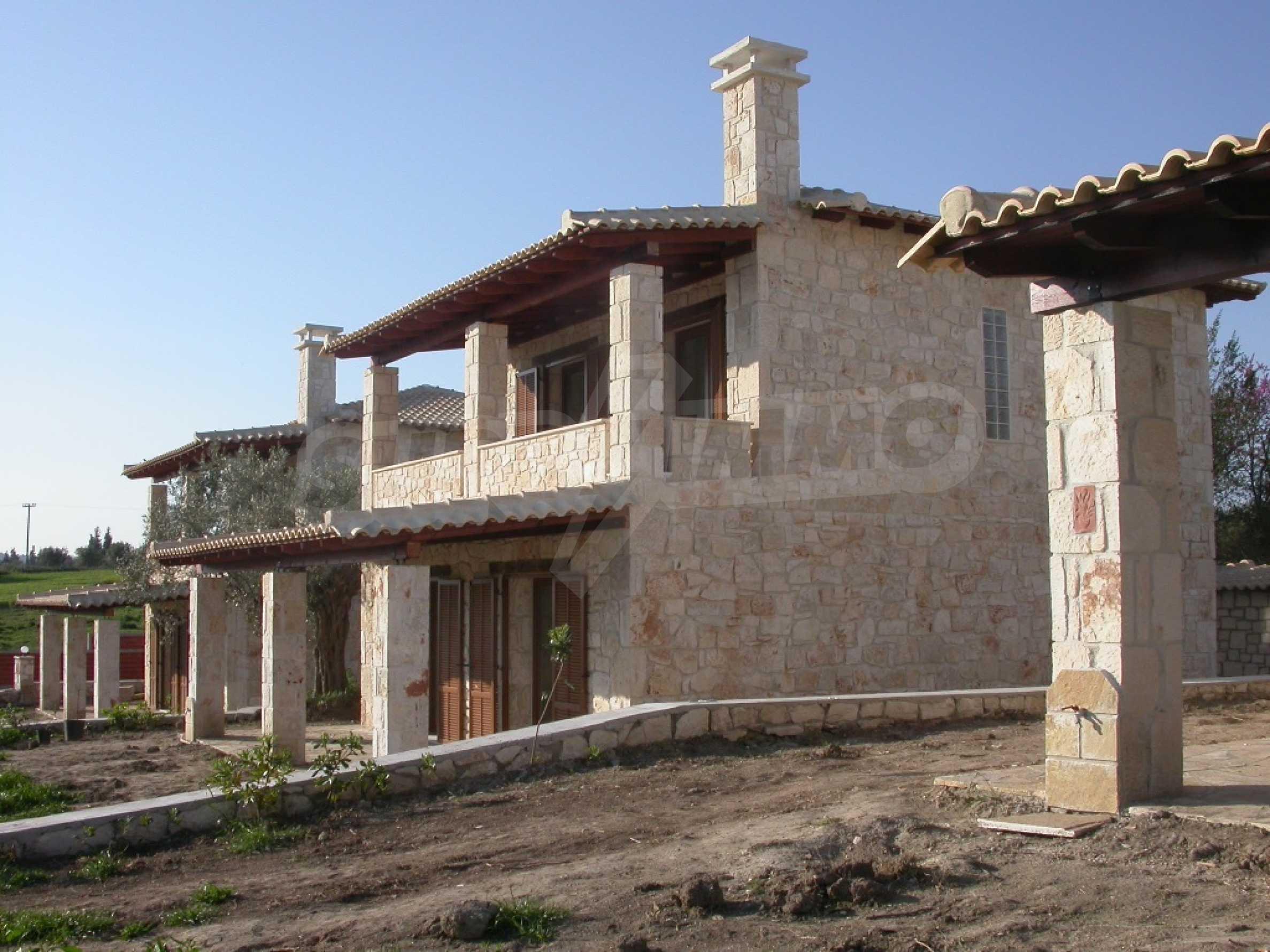 Къща  в  Посиди 4
