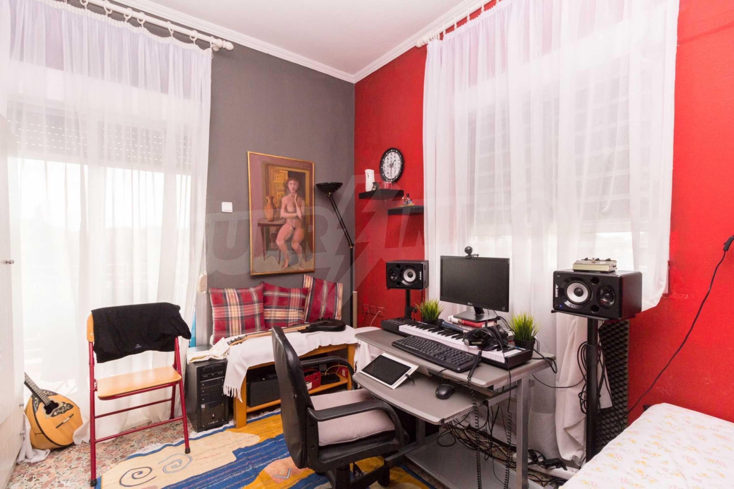 Апартамент  в  Полигирос 9