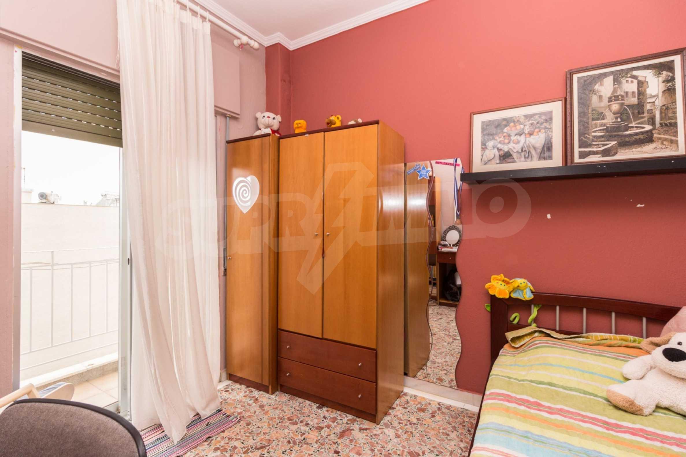 Апартамент  в  Полигирос 10