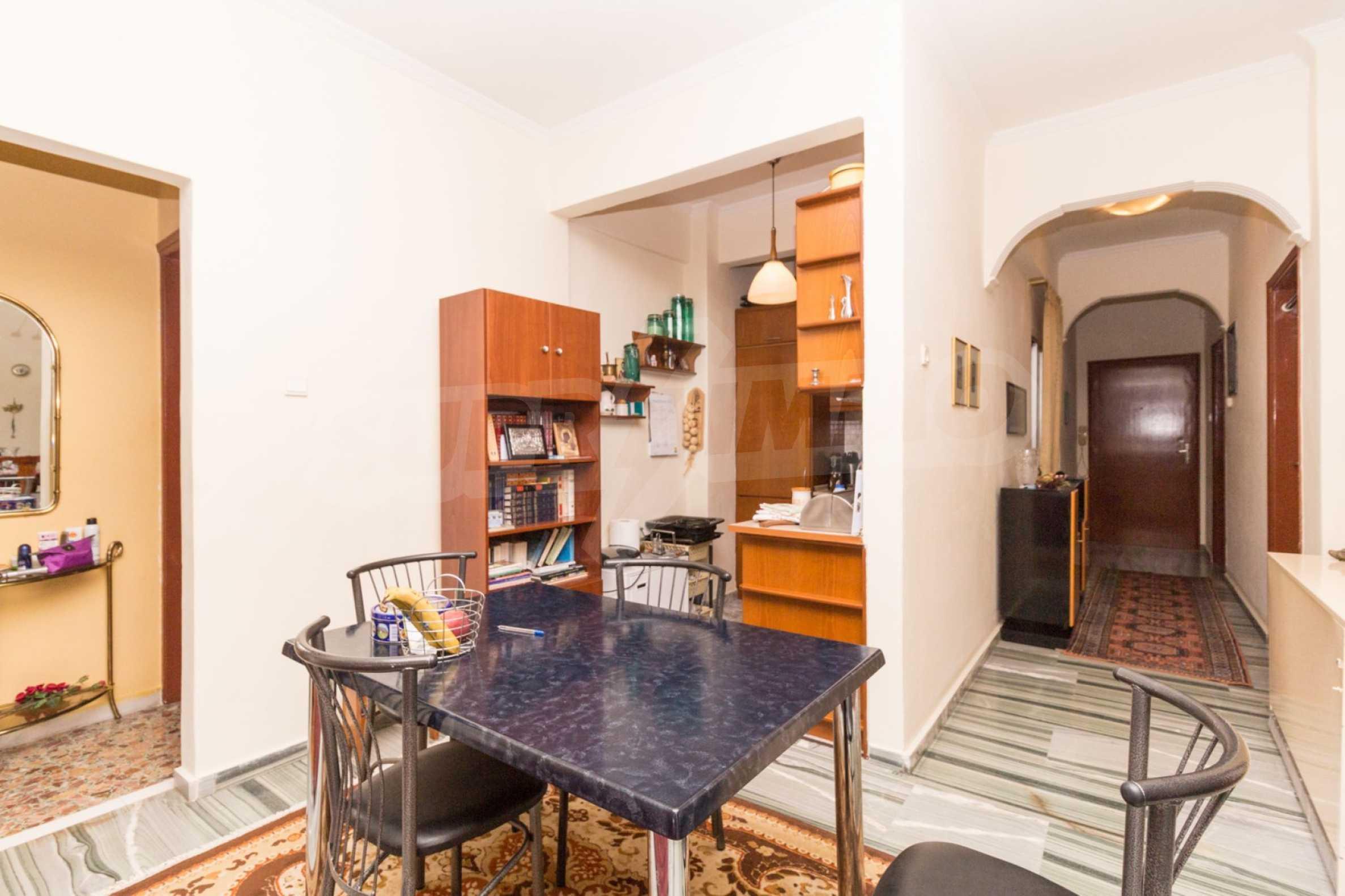 Апартамент  в  Полигирос 12