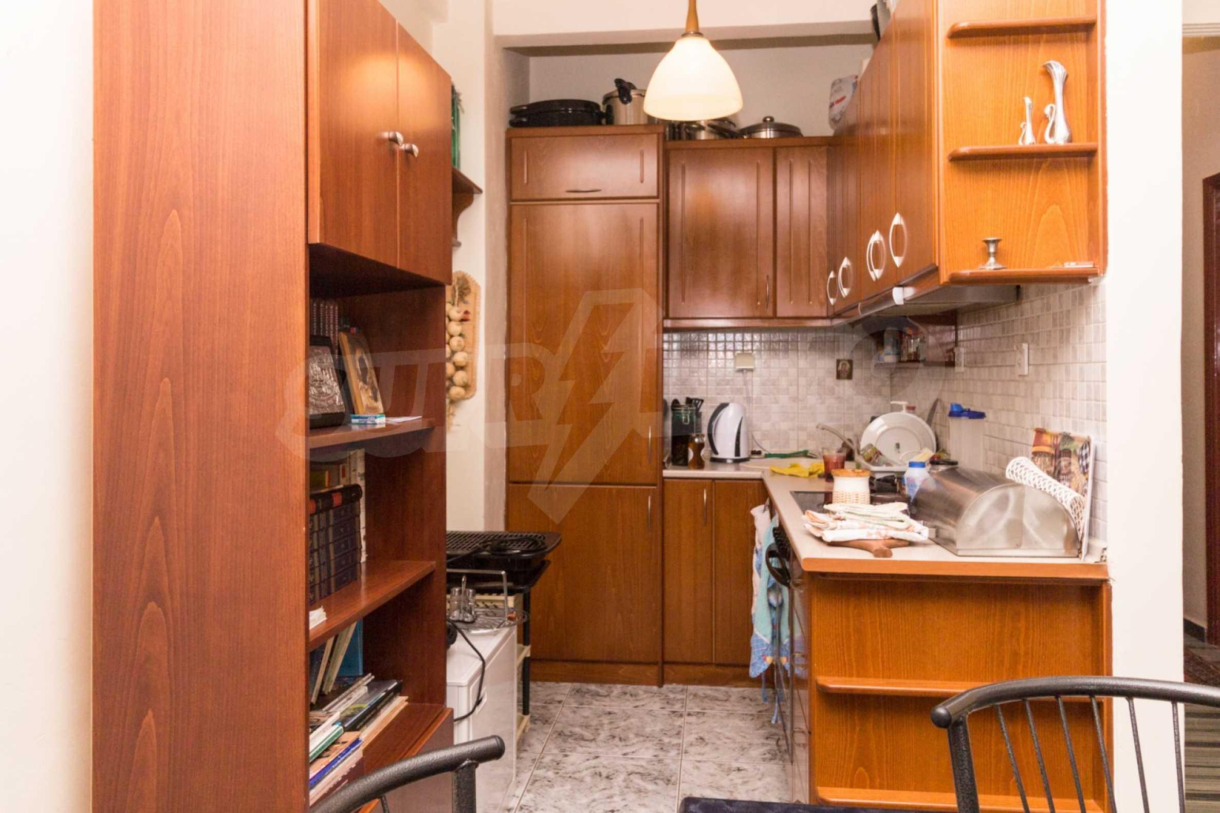 Апартамент  в  Полигирос 15