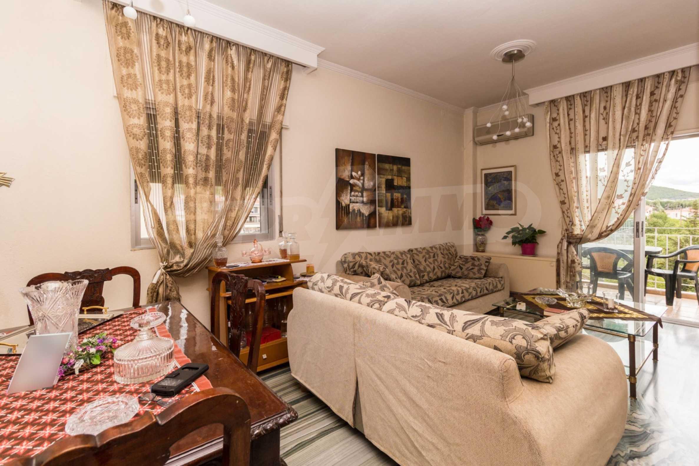Апартамент  в  Полигирос 1