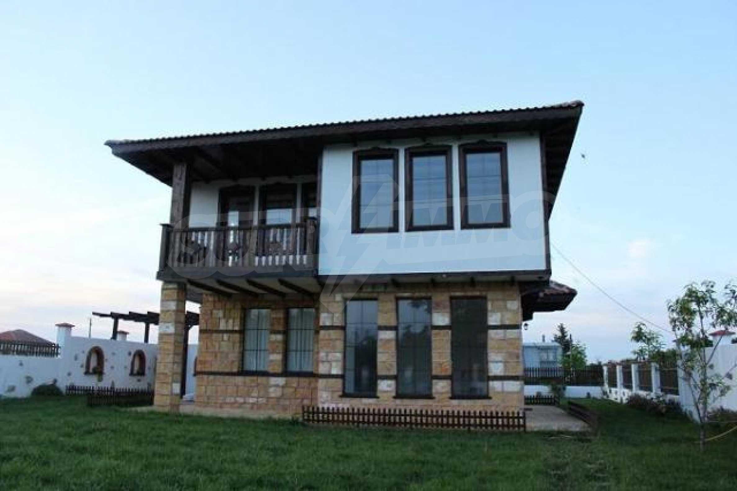 Прекрасный новый двухэтажный дом недалеко от Балчик