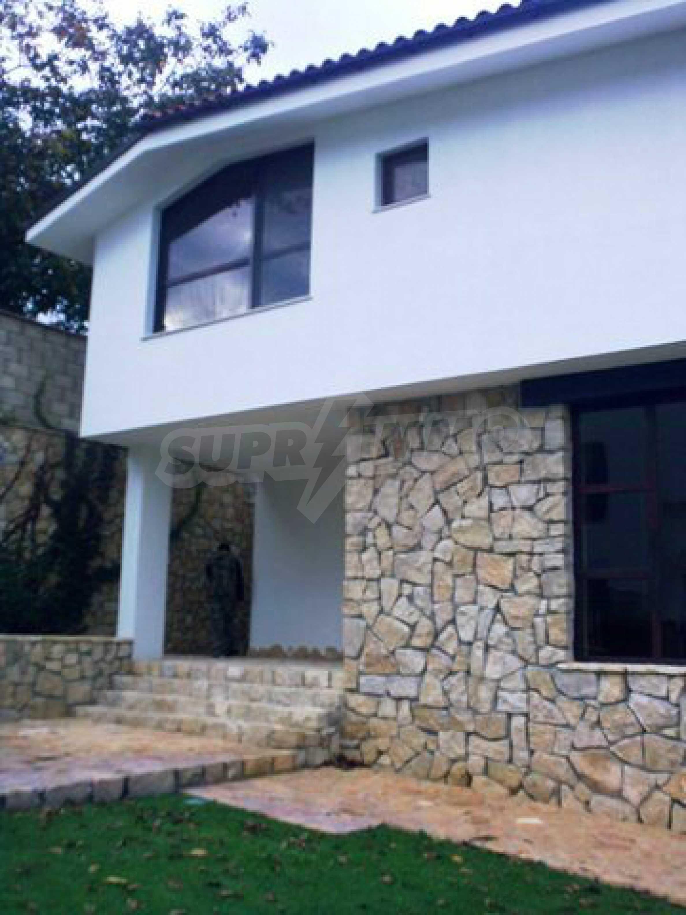 Haus des Tsonevo Dammes 9