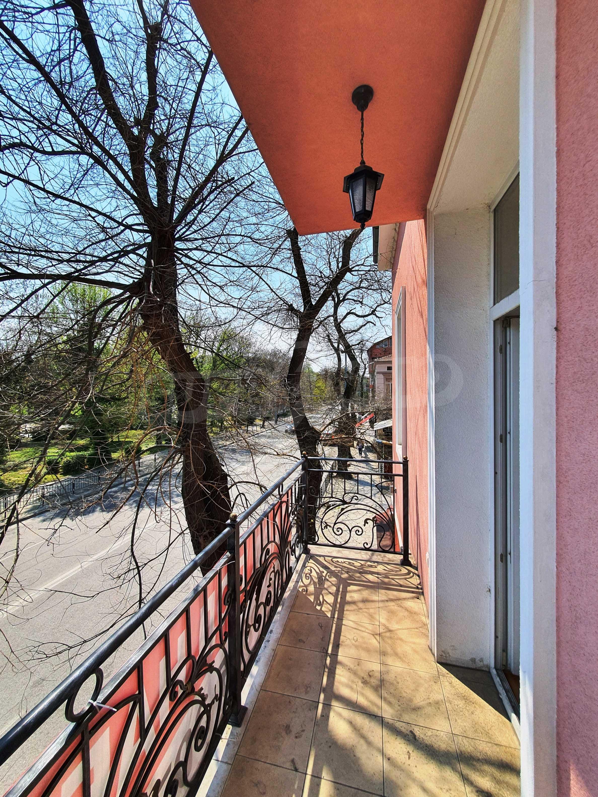 House for sale in the center opposite Dondukova Garden 12