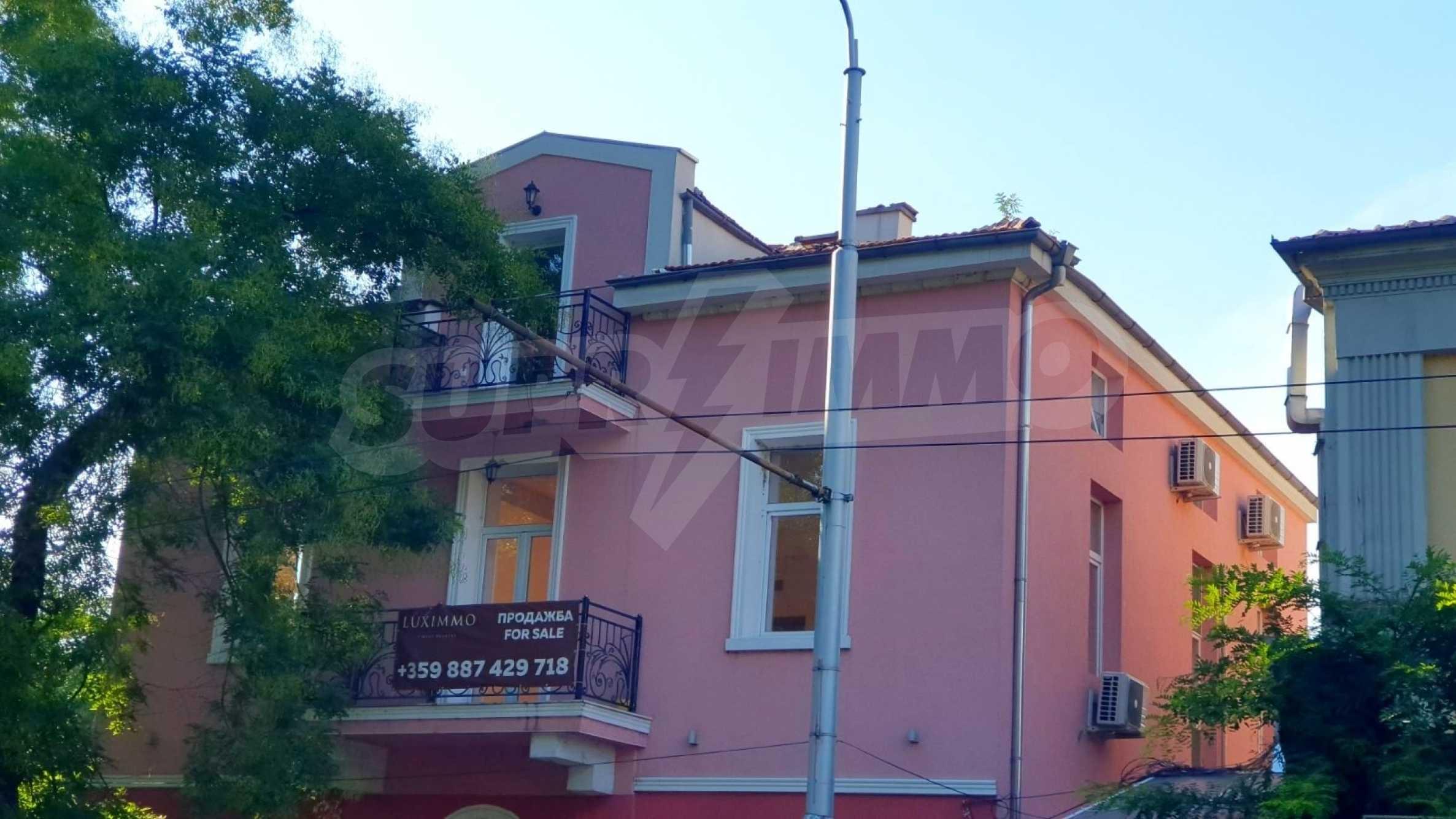 House for sale in the center opposite Dondukova Garden 13