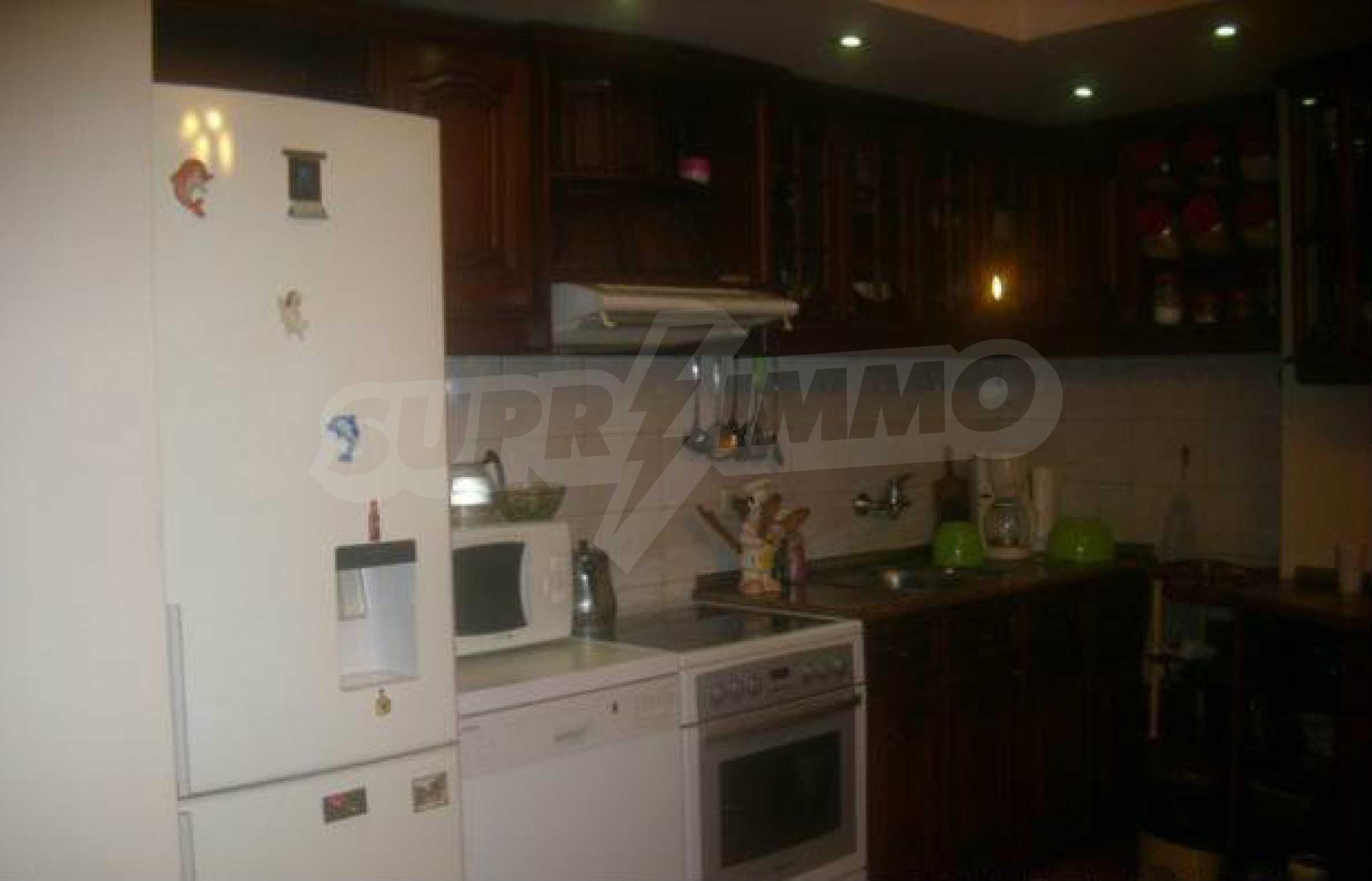Luxuriös eingerichtetes, großes Haus mit lokaler Heizung in Gabrovo 2