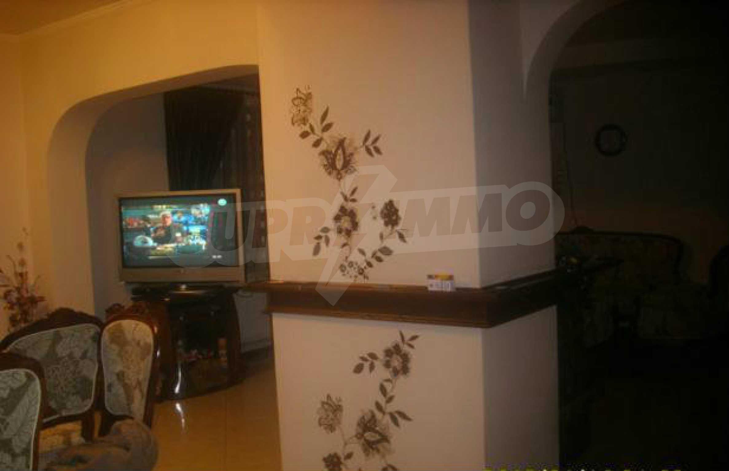 Luxuriös eingerichtetes, großes Haus mit lokaler Heizung in Gabrovo 4