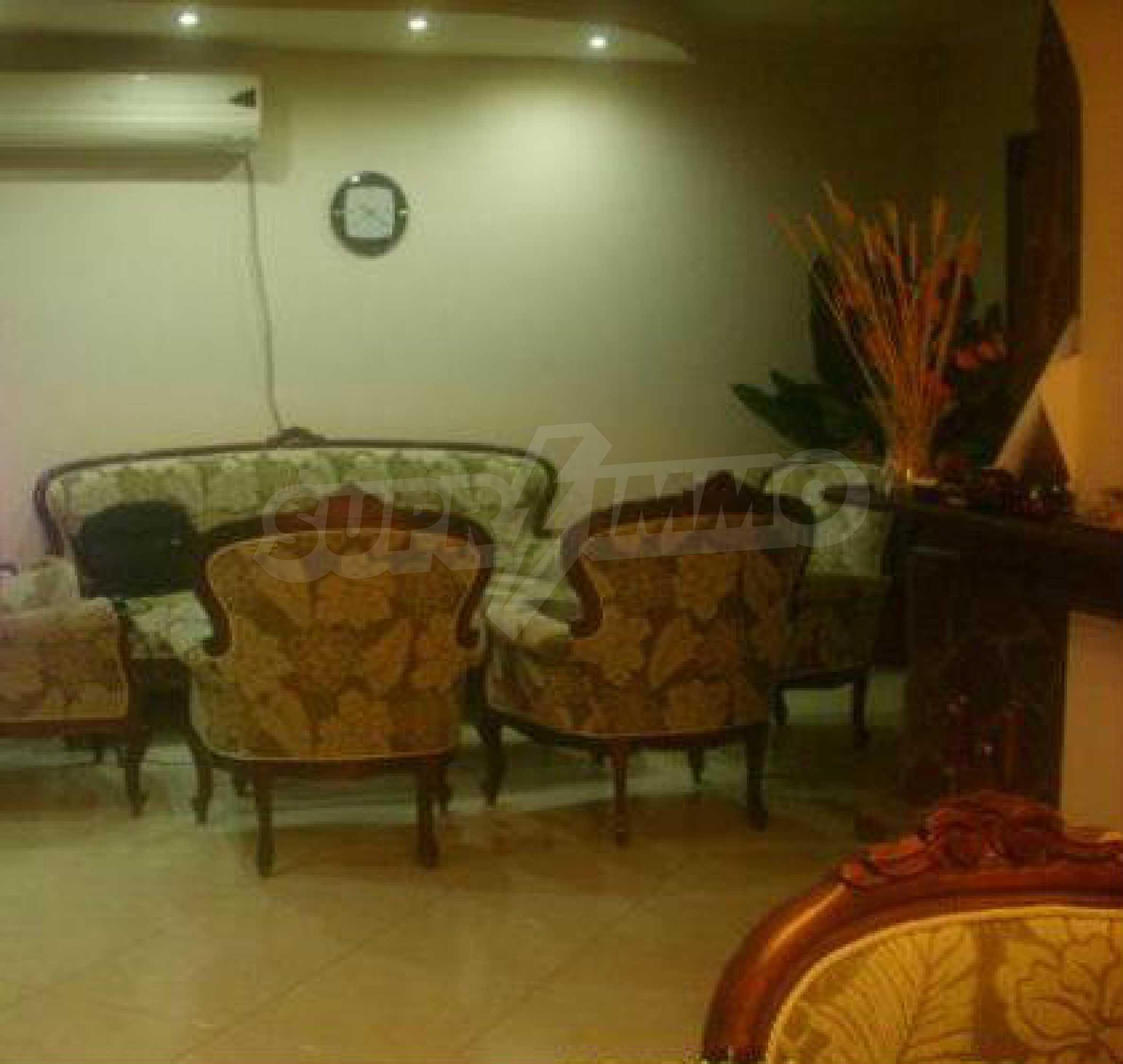 Luxuriös eingerichtetes, großes Haus mit lokaler Heizung in Gabrovo 7
