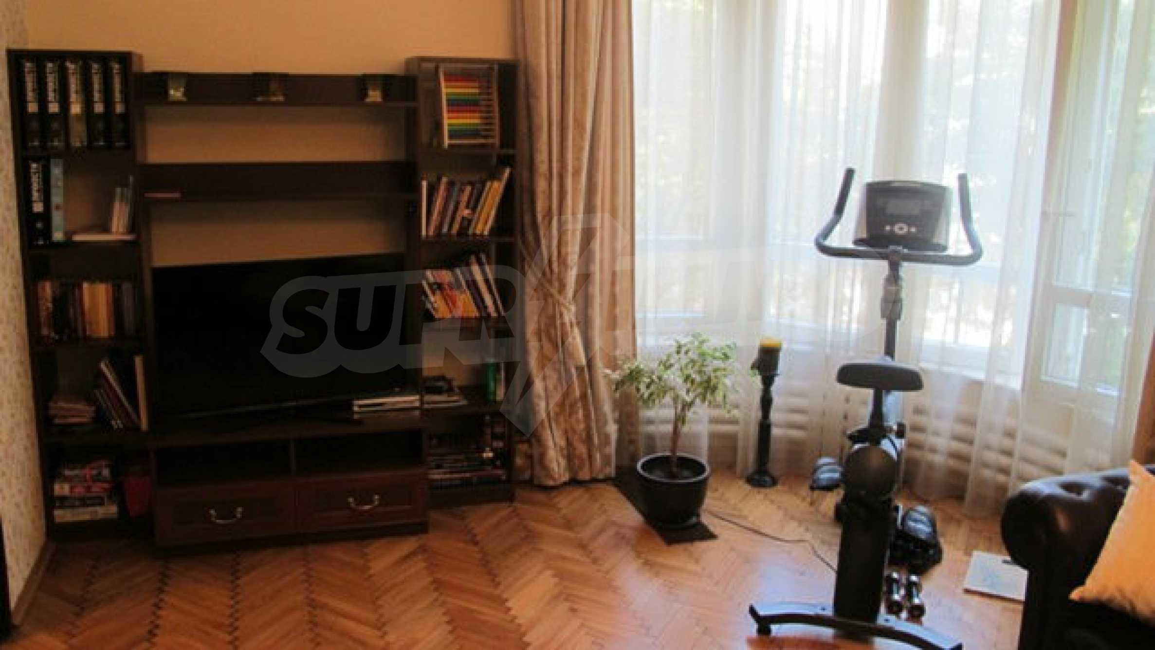 Zwei-Zimmer-Wohnung in einem idealen Zentrum 11