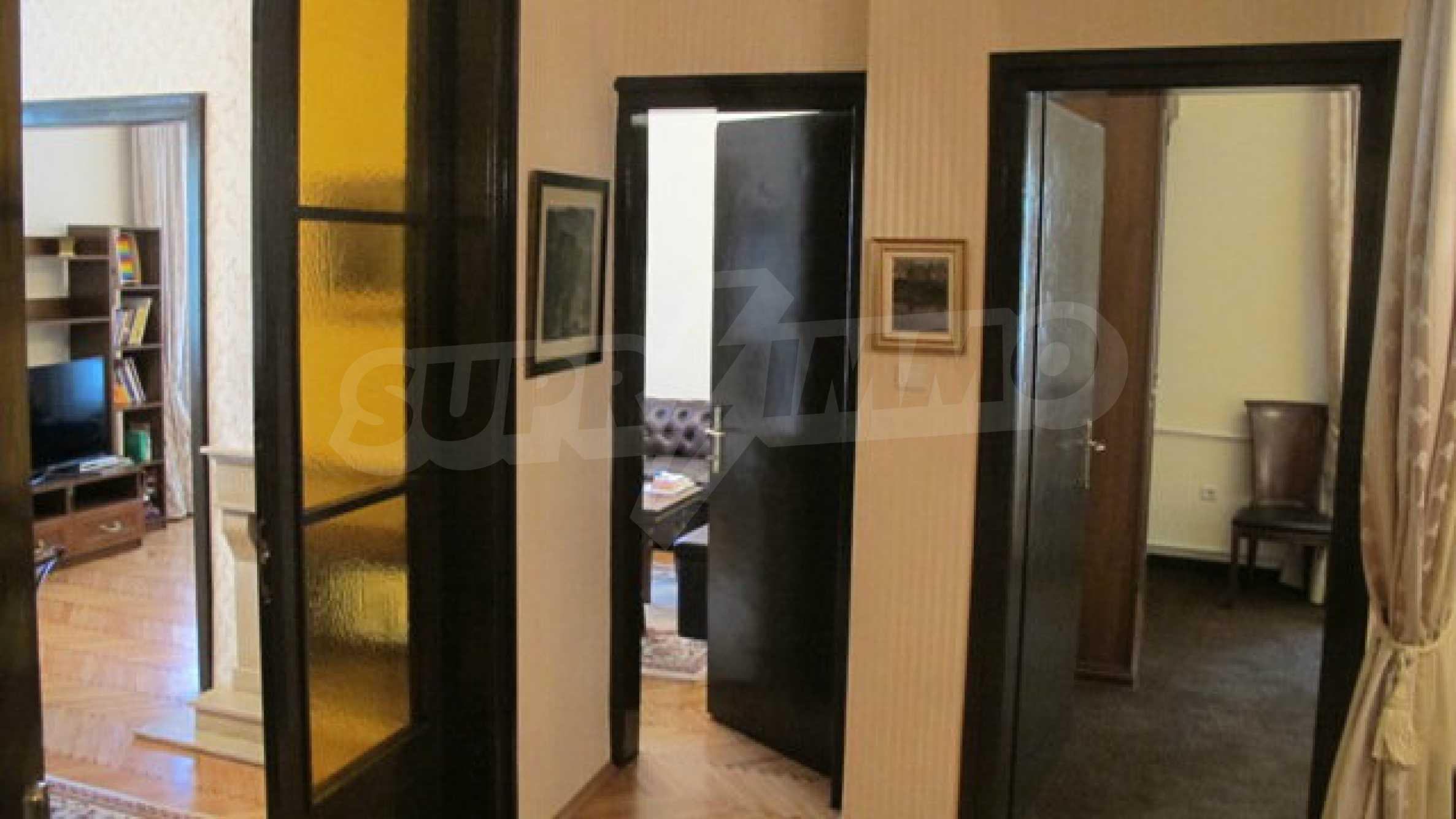 Zwei-Zimmer-Wohnung in einem idealen Zentrum 18
