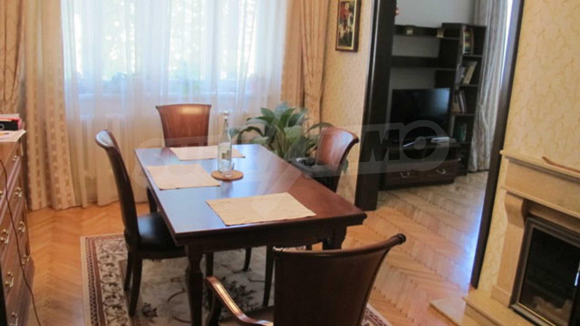 Zwei-Zimmer-Wohnung in einem idealen Zentrum 8