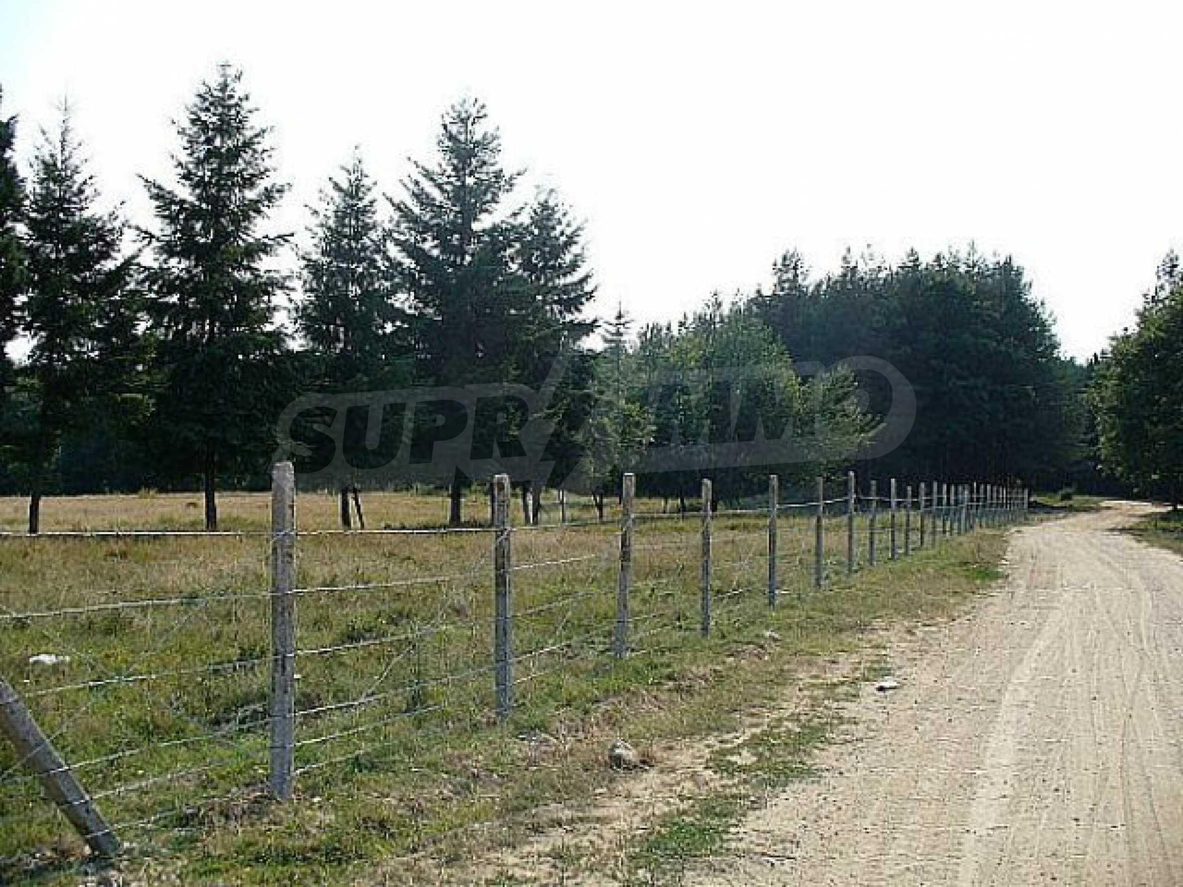 Buildng land in the village Rudnik 16