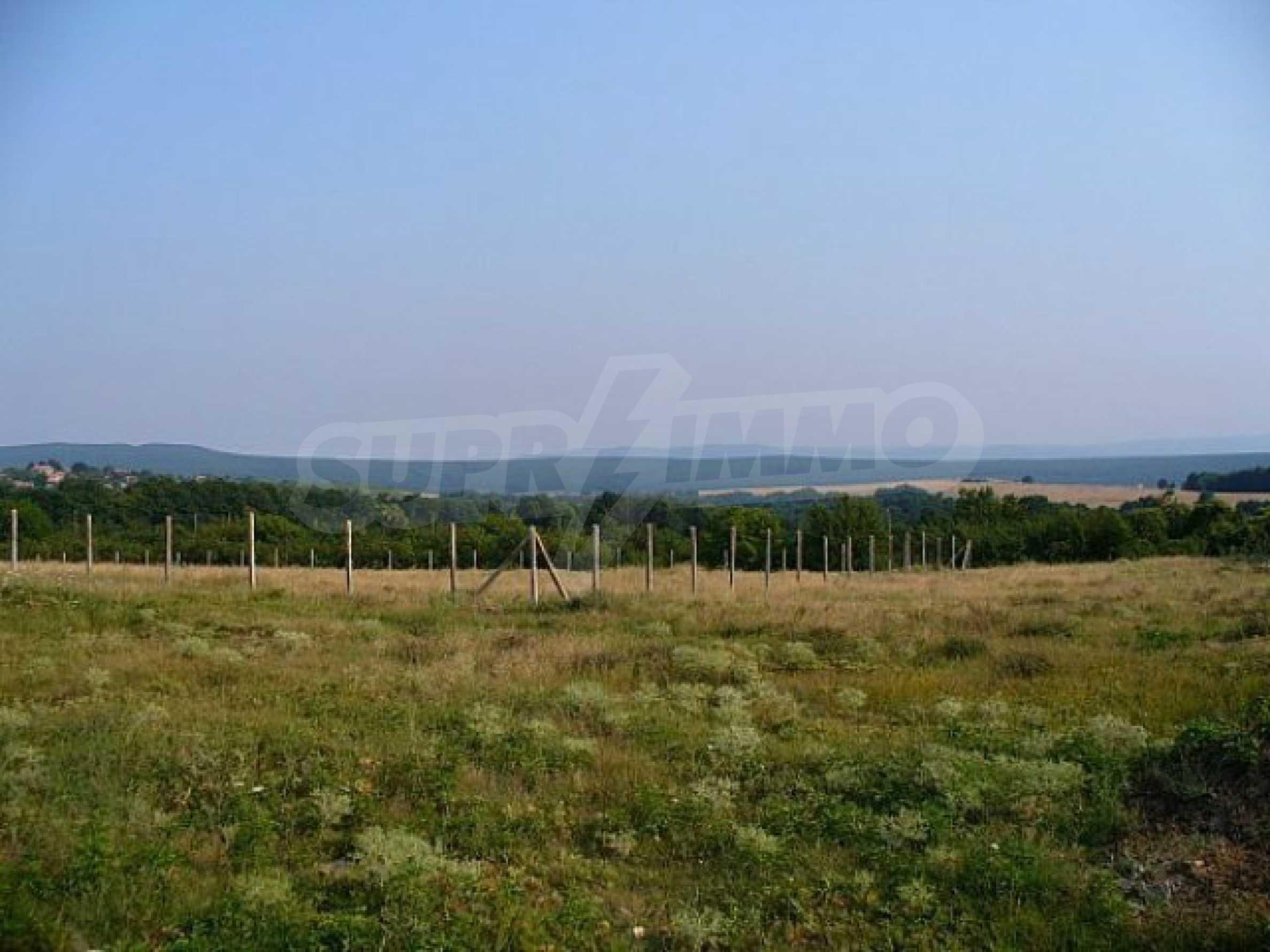 Buildng land in the village Rudnik 37