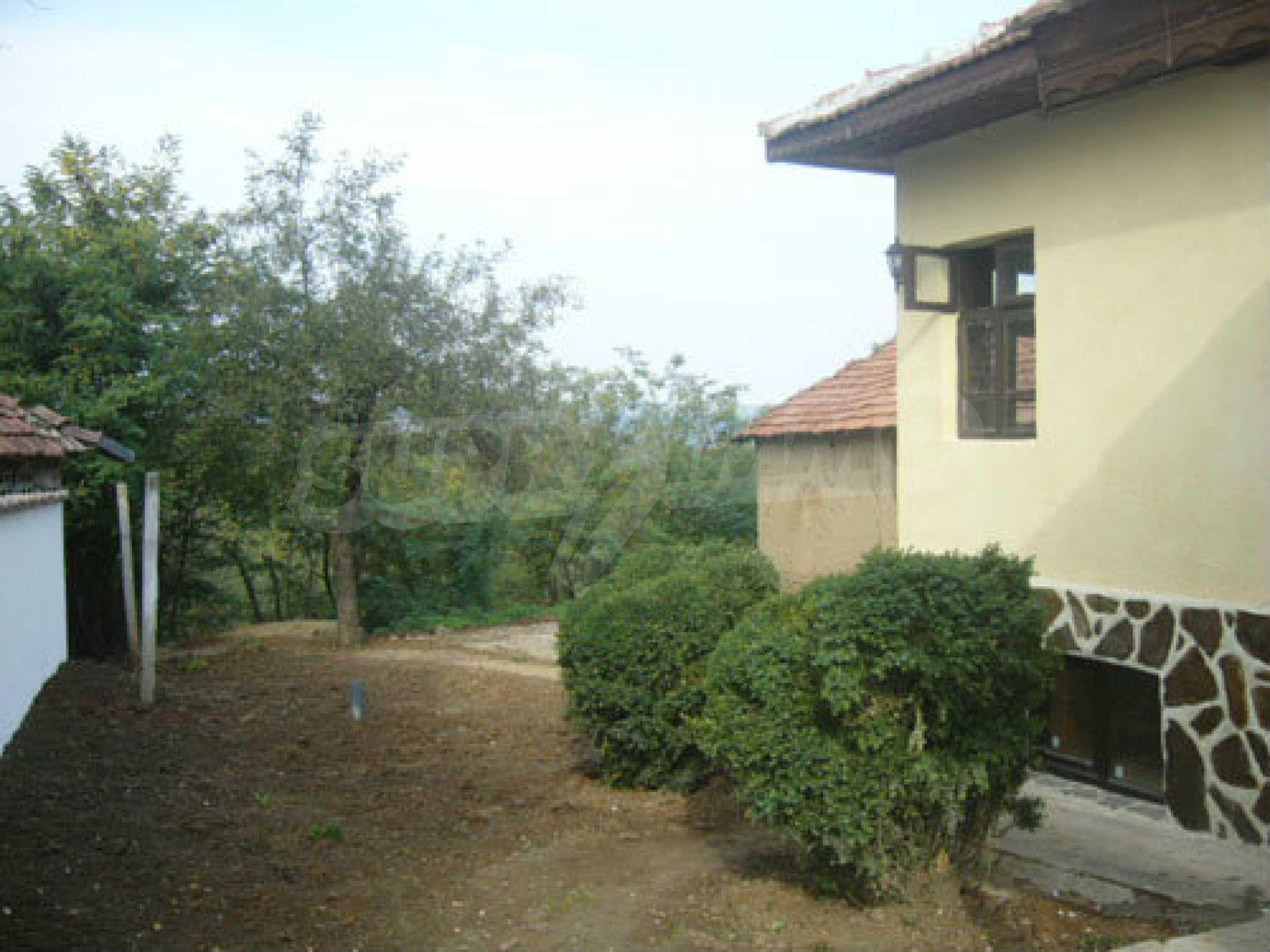 Renoviertes zweistöckiges Haus auf dem Balkan, 30 km von Veliko Tarnovo entfernt 2