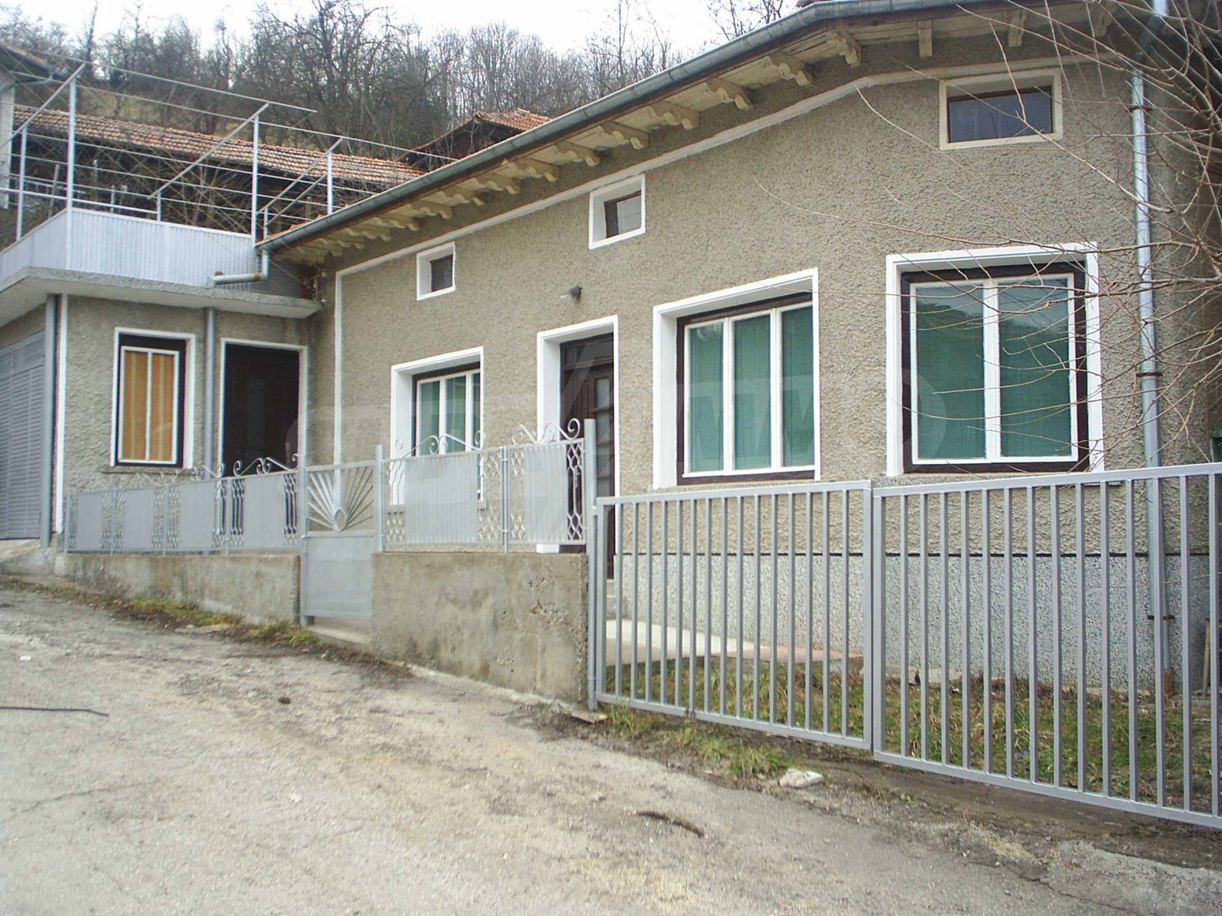 Komplett möbliertes Anwesen auf dem Balkan, 25 km von Veliko Tarnovo entfernt