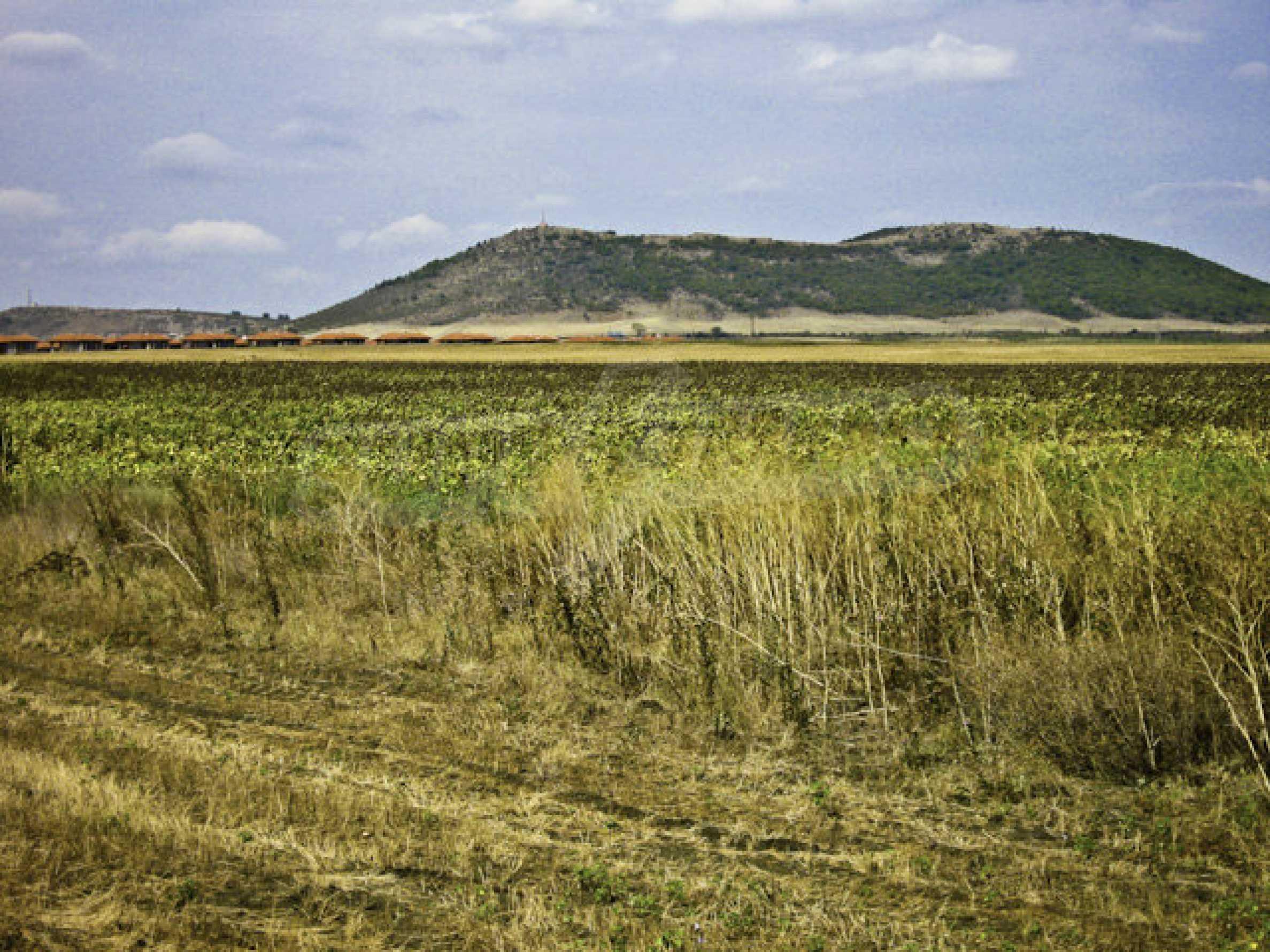 Geregeltes Grundstück in der Nähe des Badeortes Sonnenstrand 2
