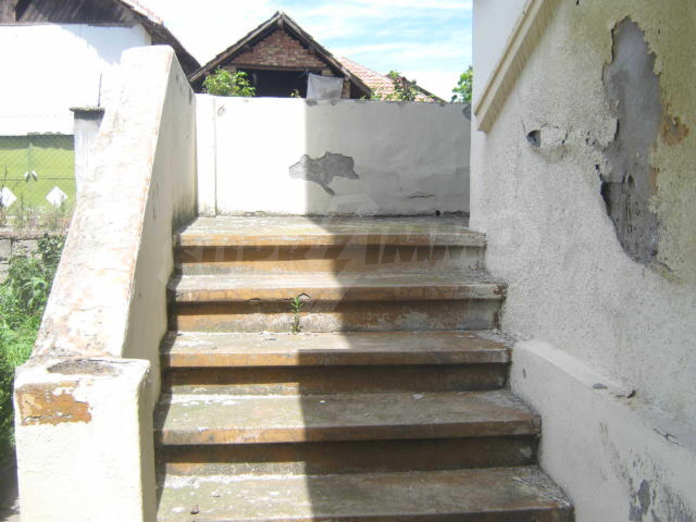Zweistöckiges Haus neben der Stadt Widin zu verkaufen 7