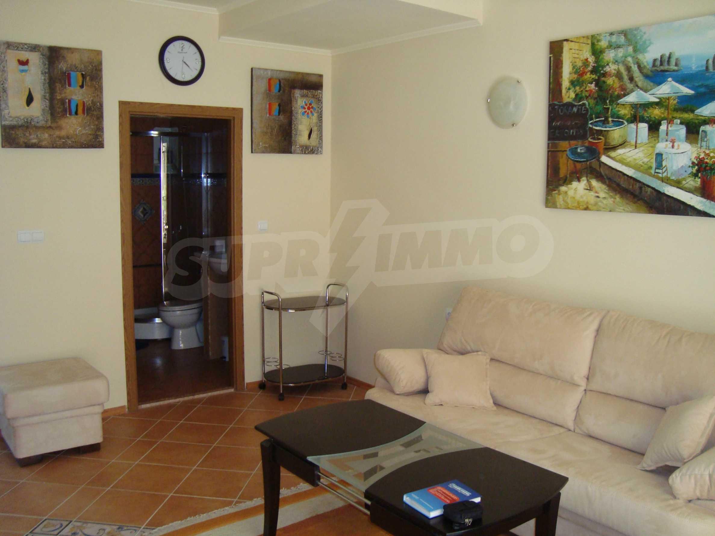 2-stöckige Villa zum Verkauf in Elenite Feriendorf, 9