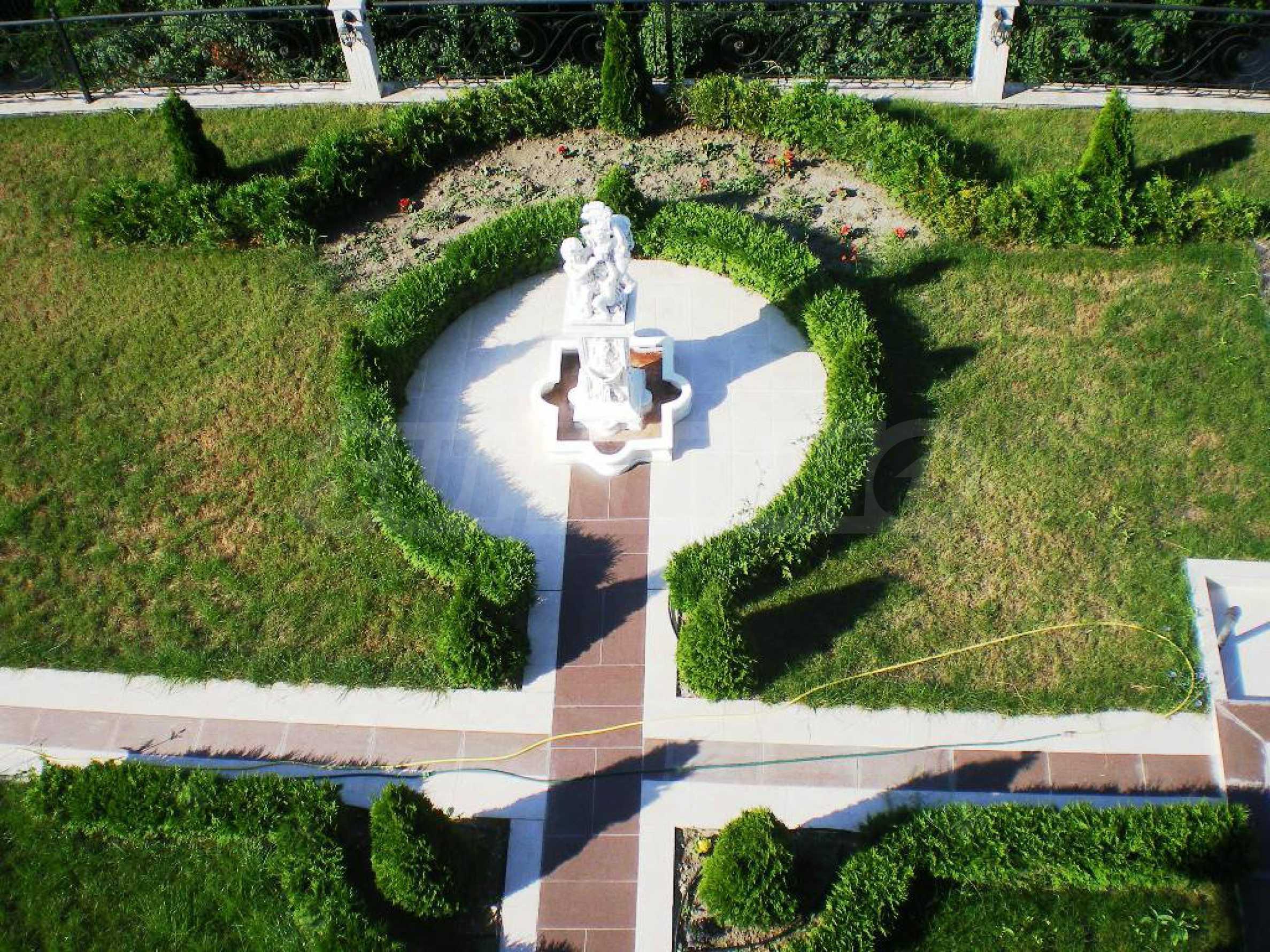 Wohnsitz in Varna 13