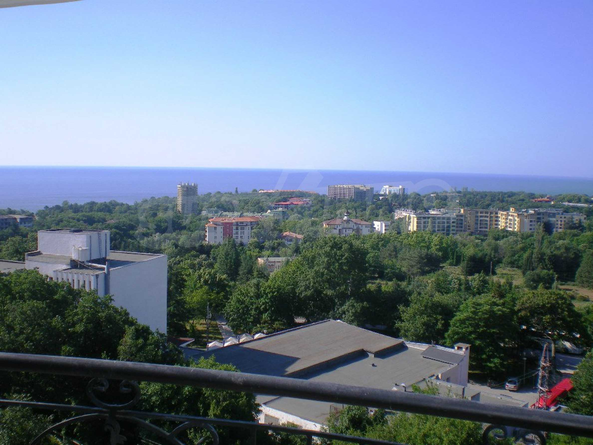 Wohnsitz in Varna 15