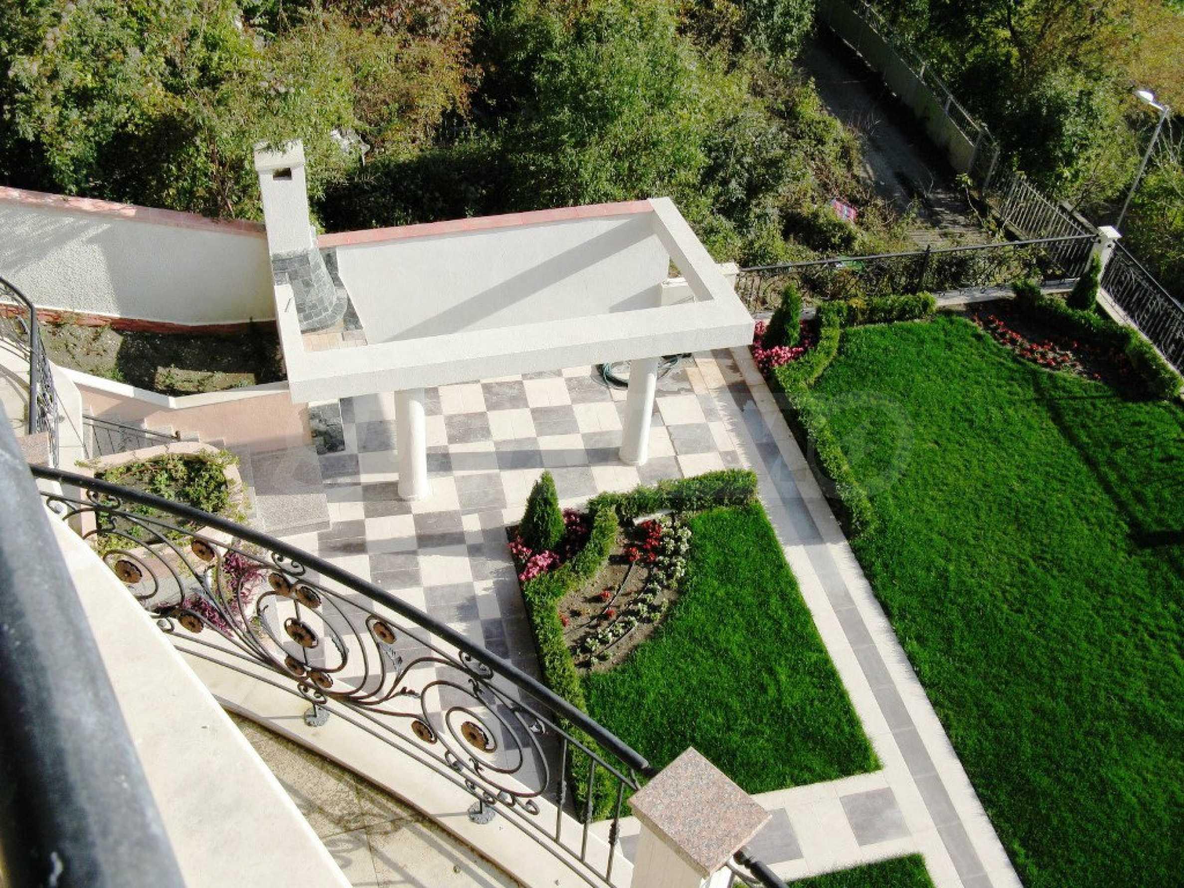 Wohnsitz in Varna 18