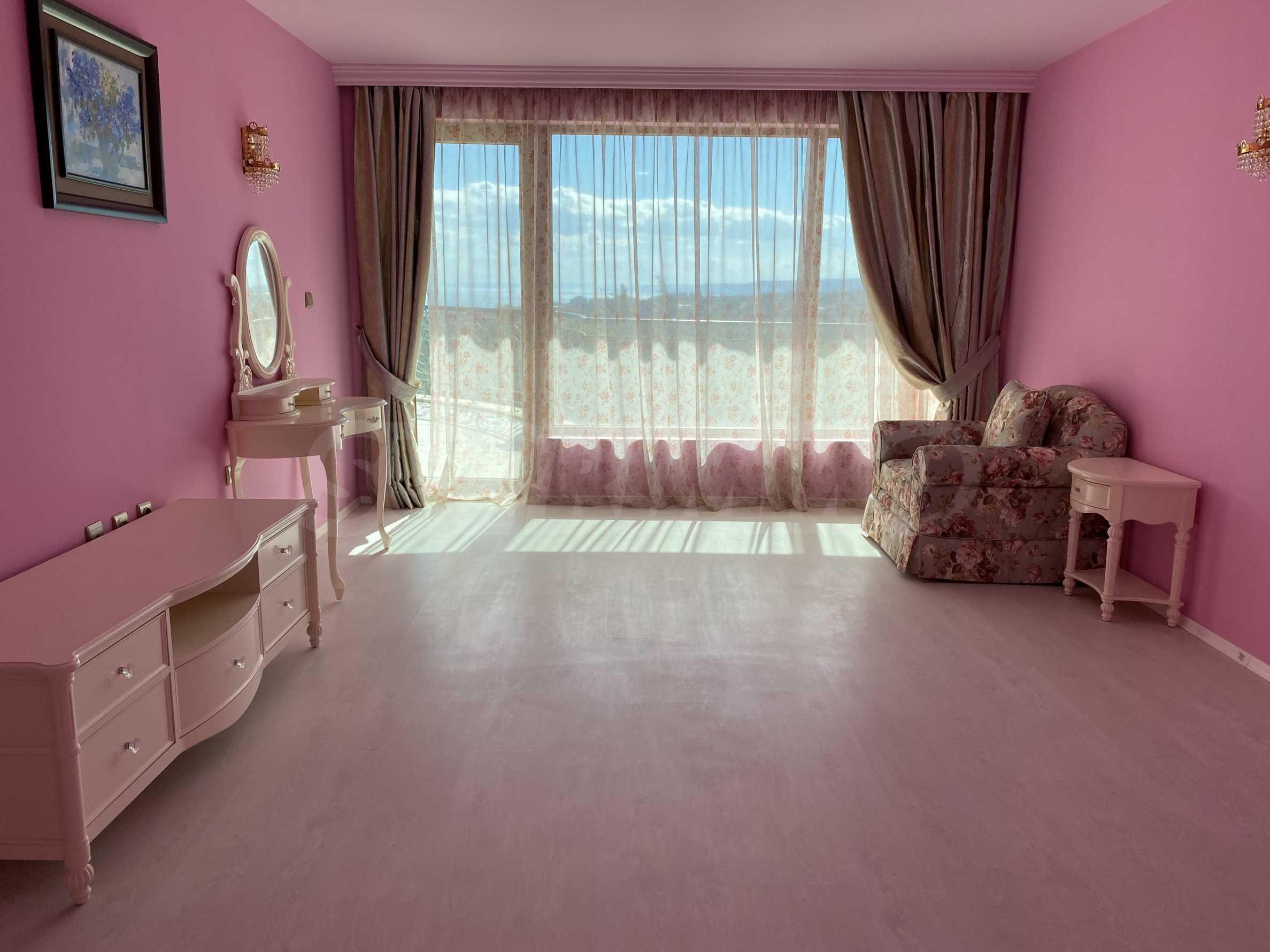Wohnsitz in Varna 26