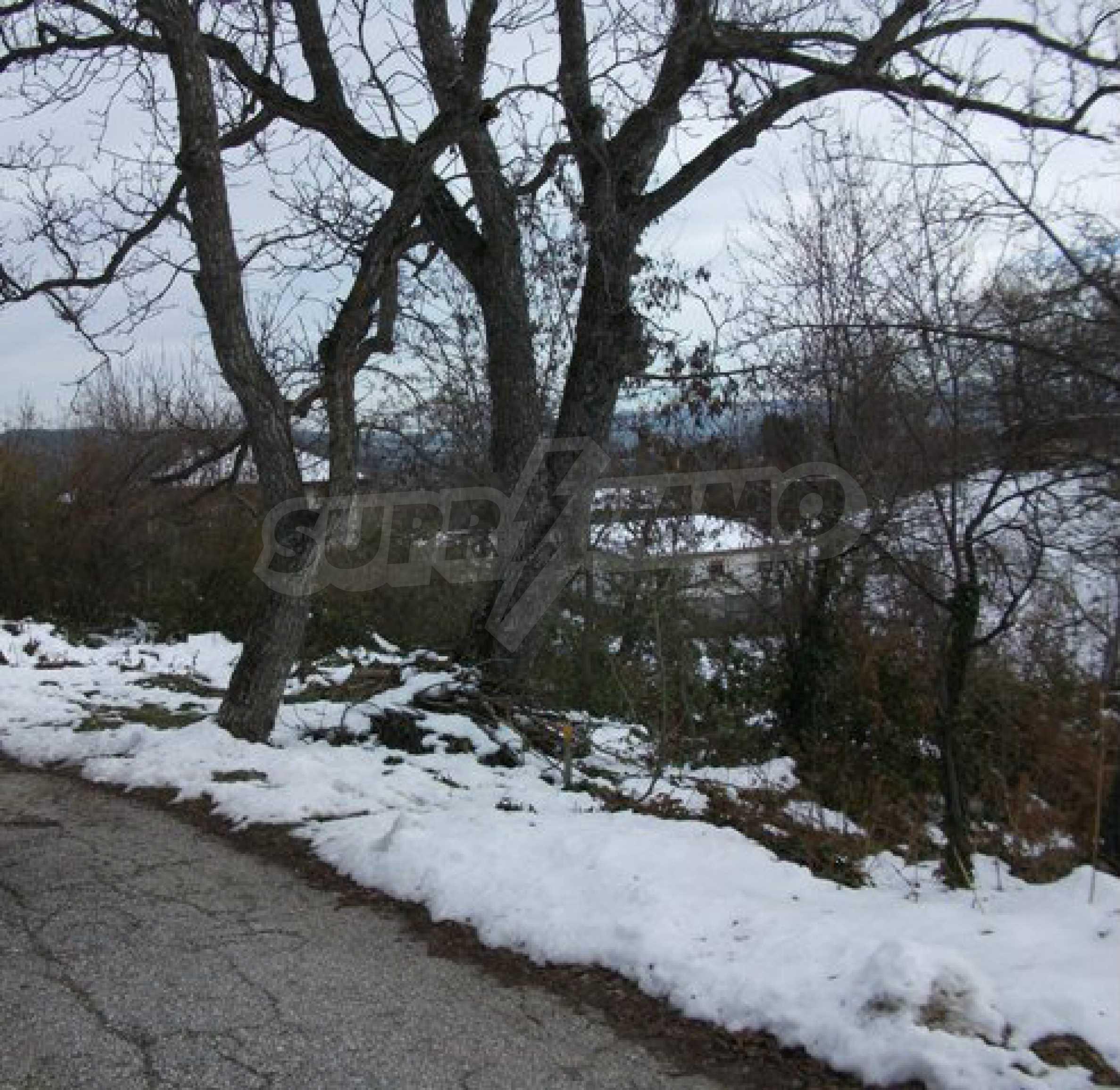Grundstück zum Verkauf in einem Dorf 5 km von Tryavna entfernt 9