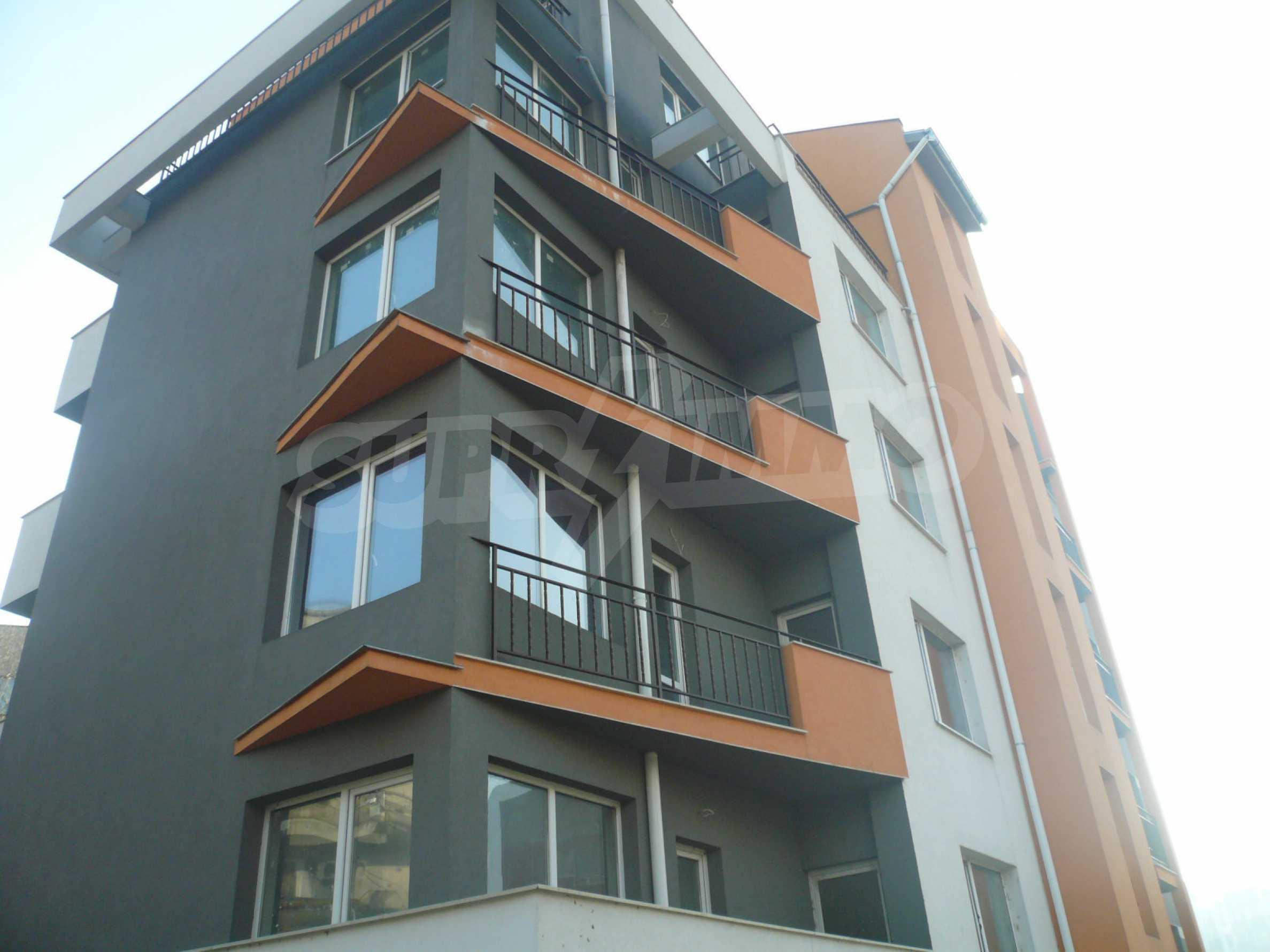 Oragne Residenz 27