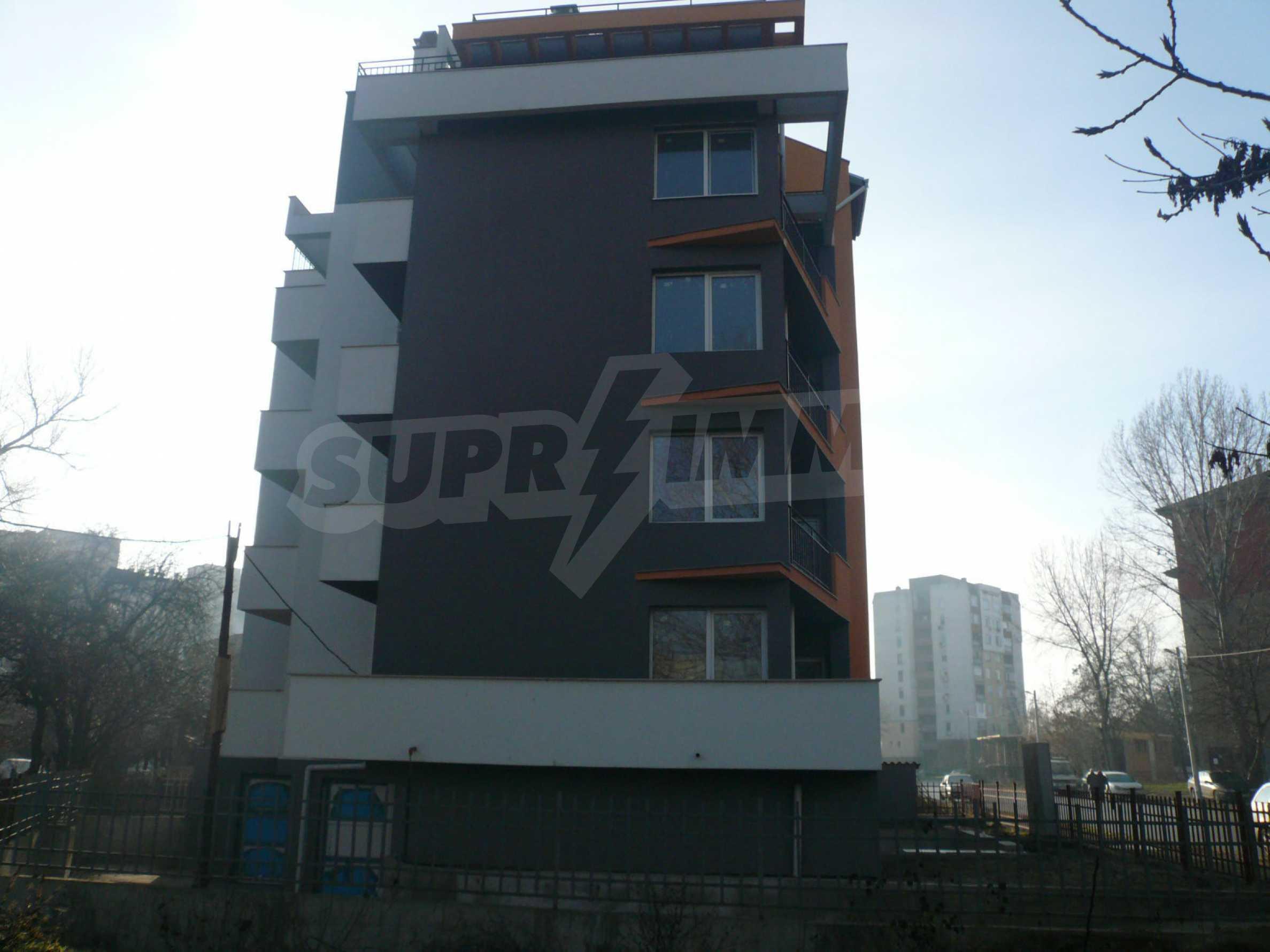 Oragne Residenz 4