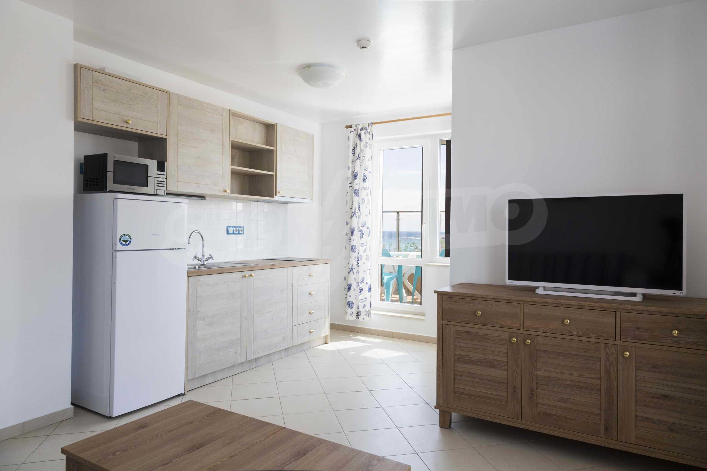Стилен жилищен комплекс в непосредствена близост до плажа в Лозенец 7