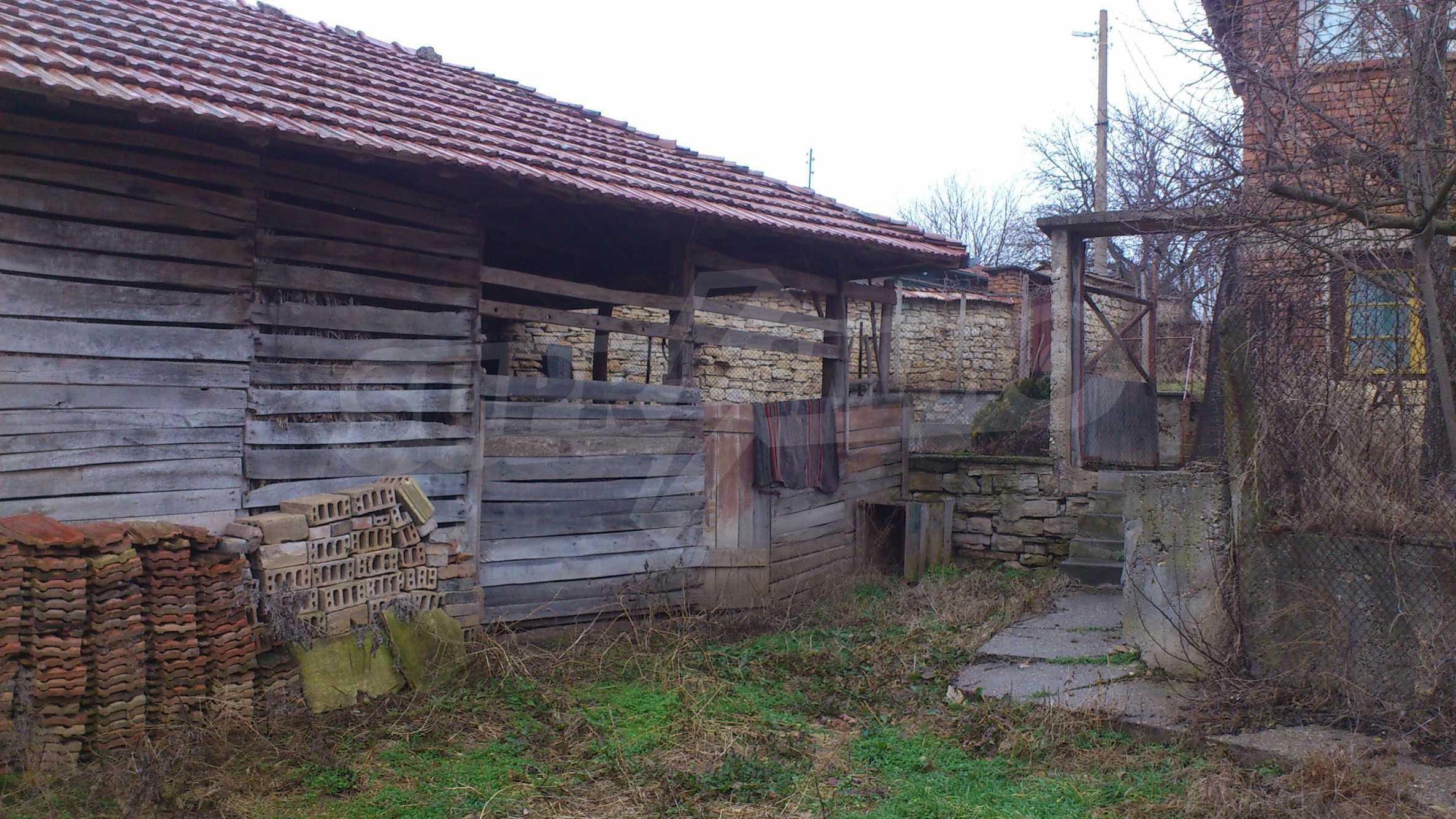 Großes Haus in einem schönen Dorf 19