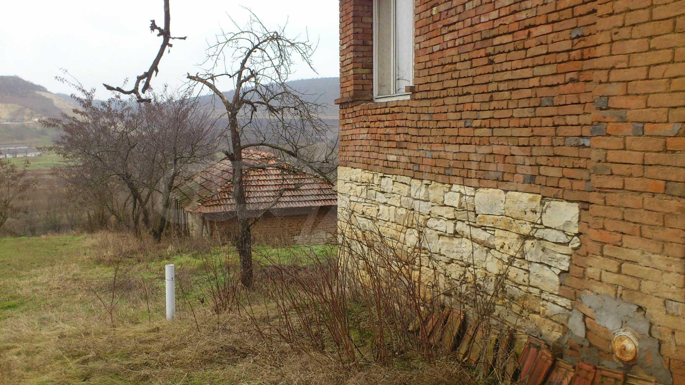 Großes Haus in einem schönen Dorf 29