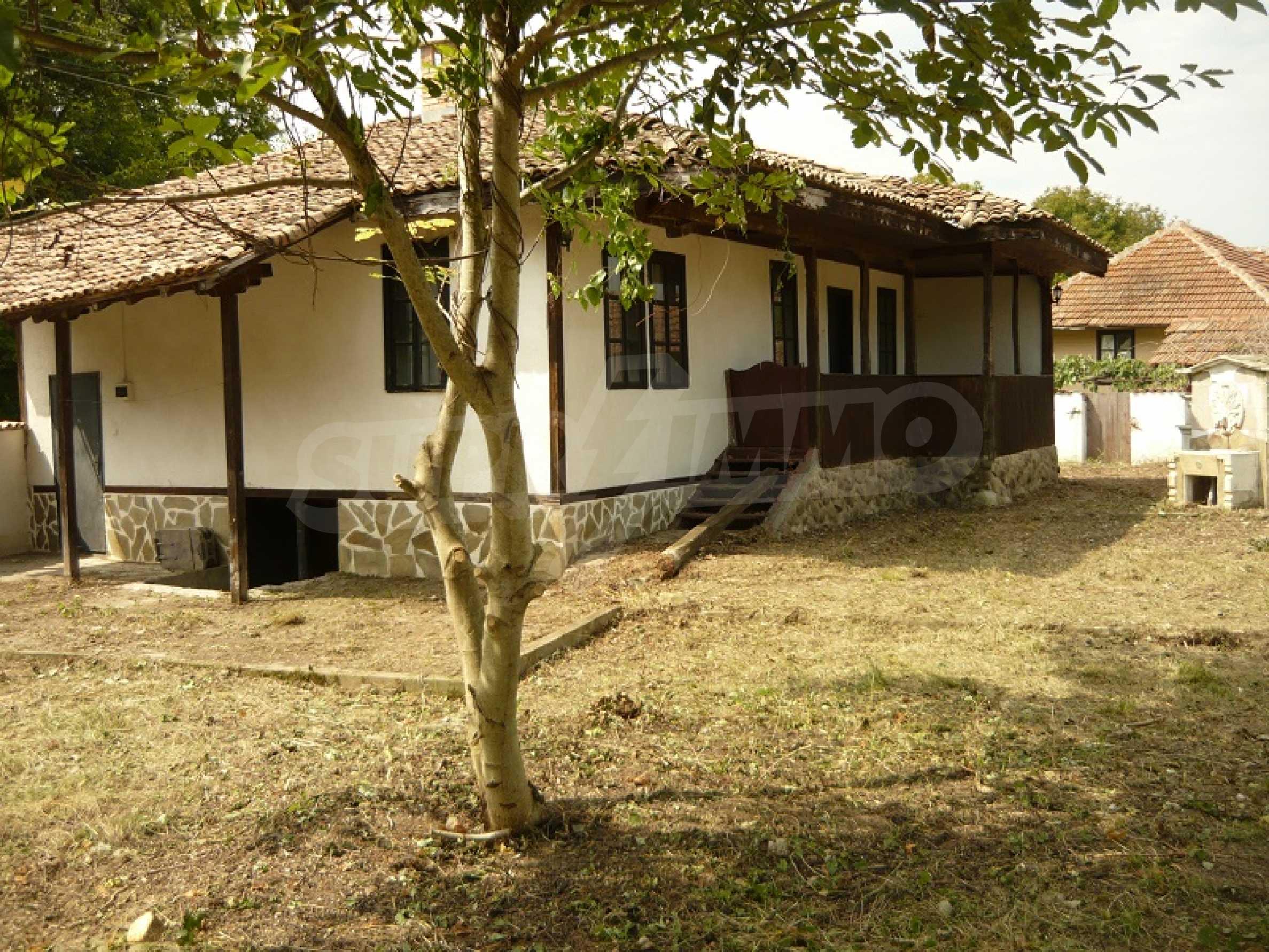 Komplett renoviertes zweistöckiges Haus in Elena Balkan 1