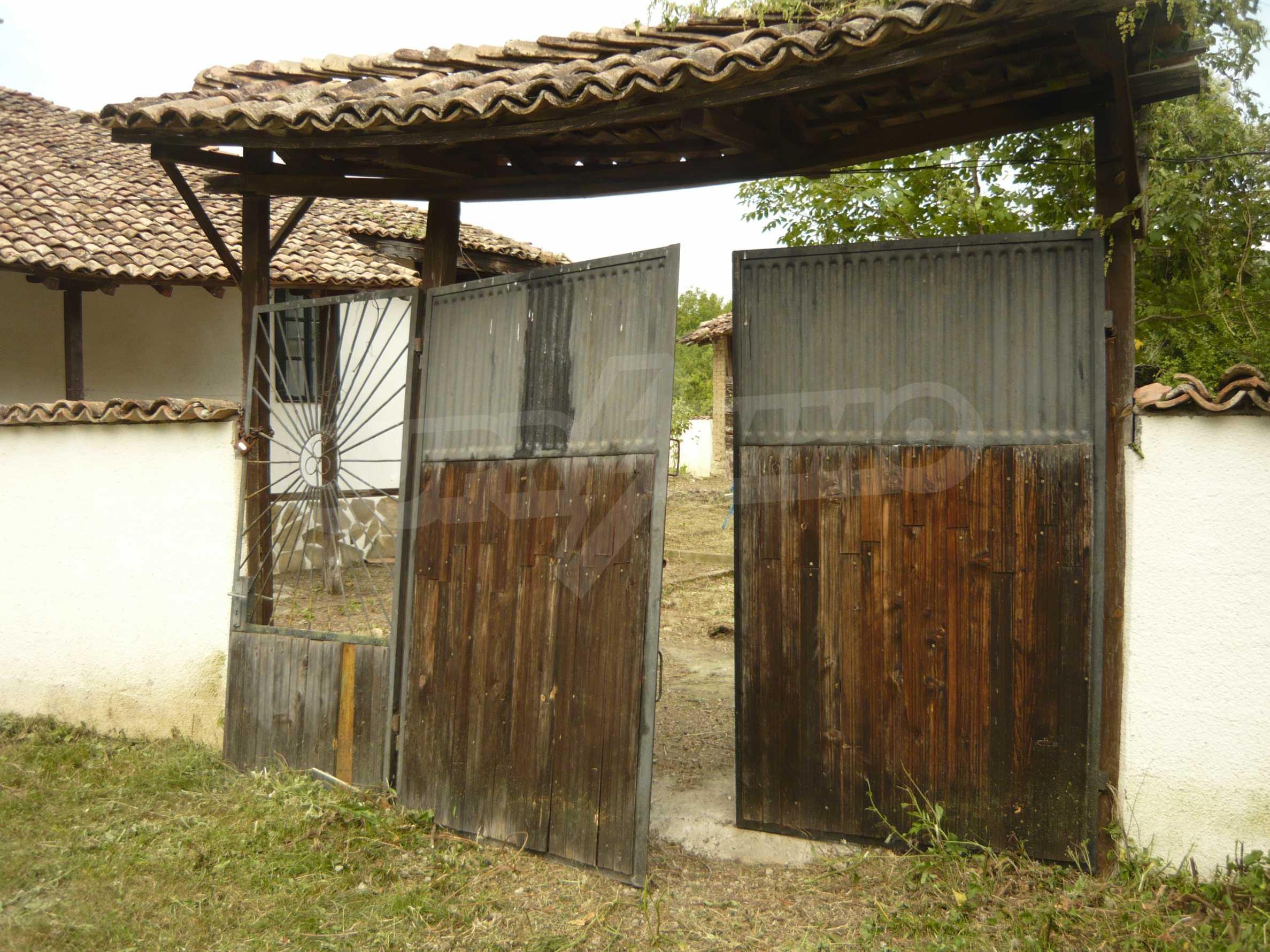 Komplett renoviertes zweistöckiges Haus in Elena Balkan 2