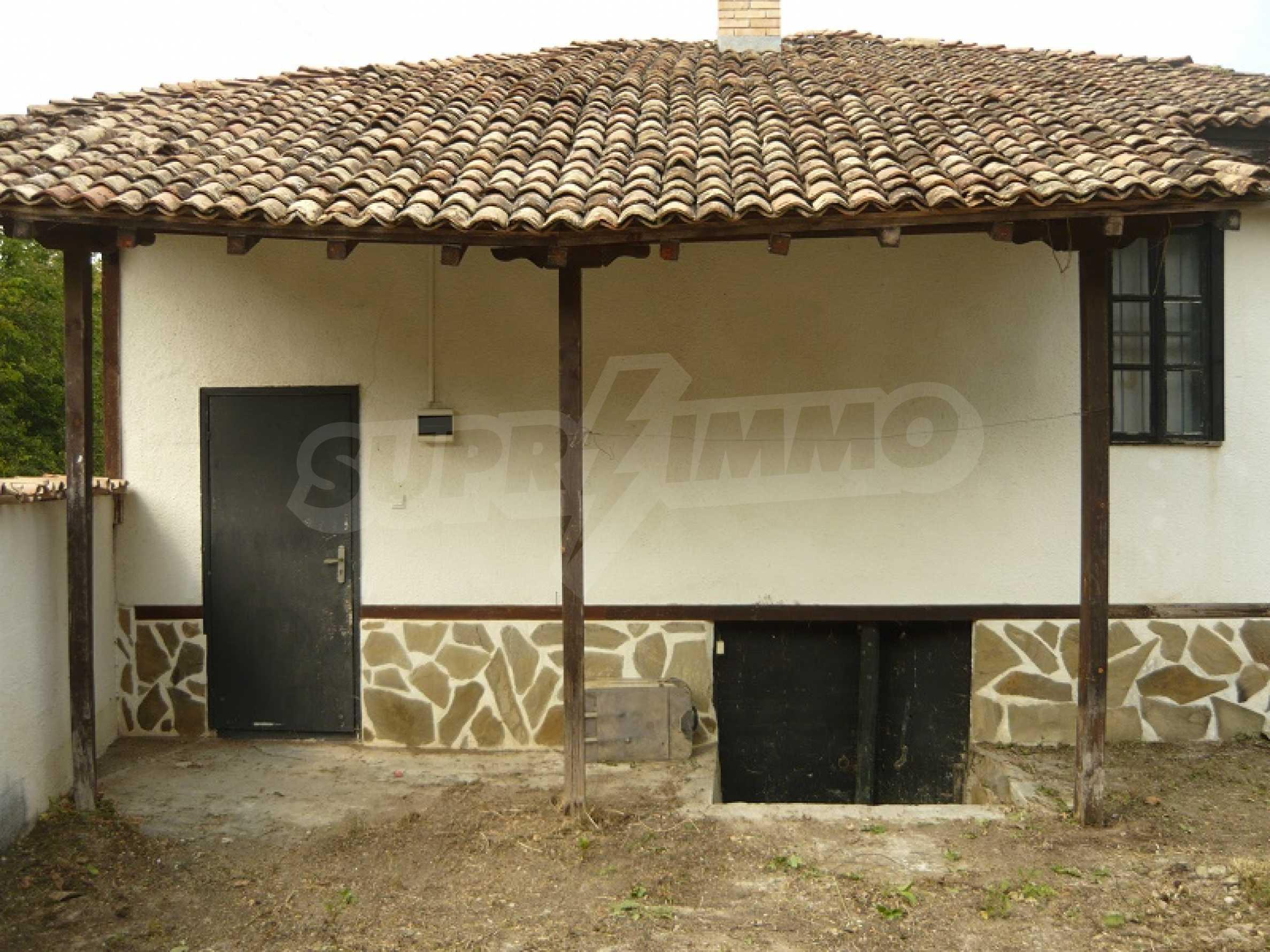 Komplett renoviertes zweistöckiges Haus in Elena Balkan 3