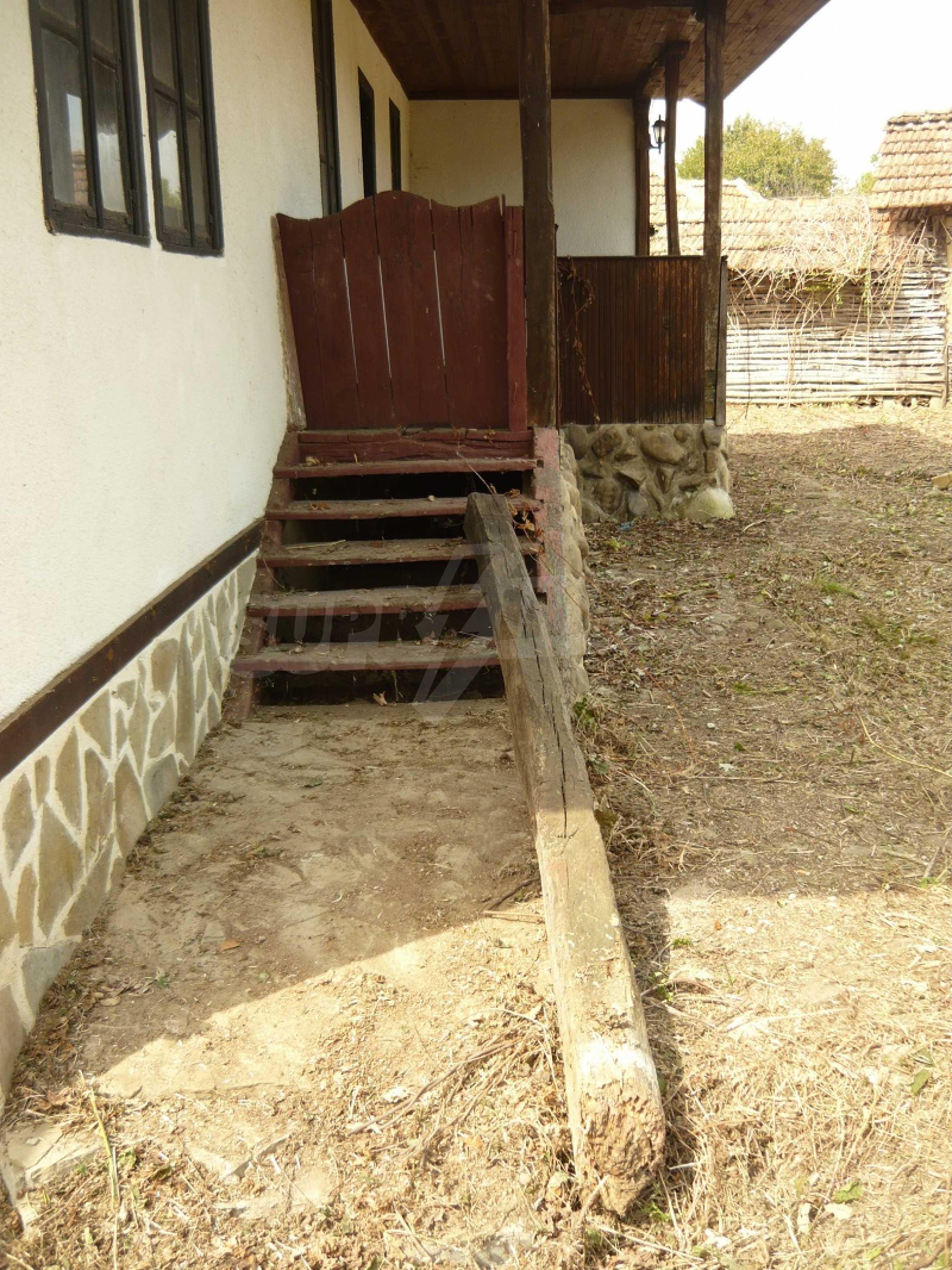 Komplett renoviertes zweistöckiges Haus in Elena Balkan 6