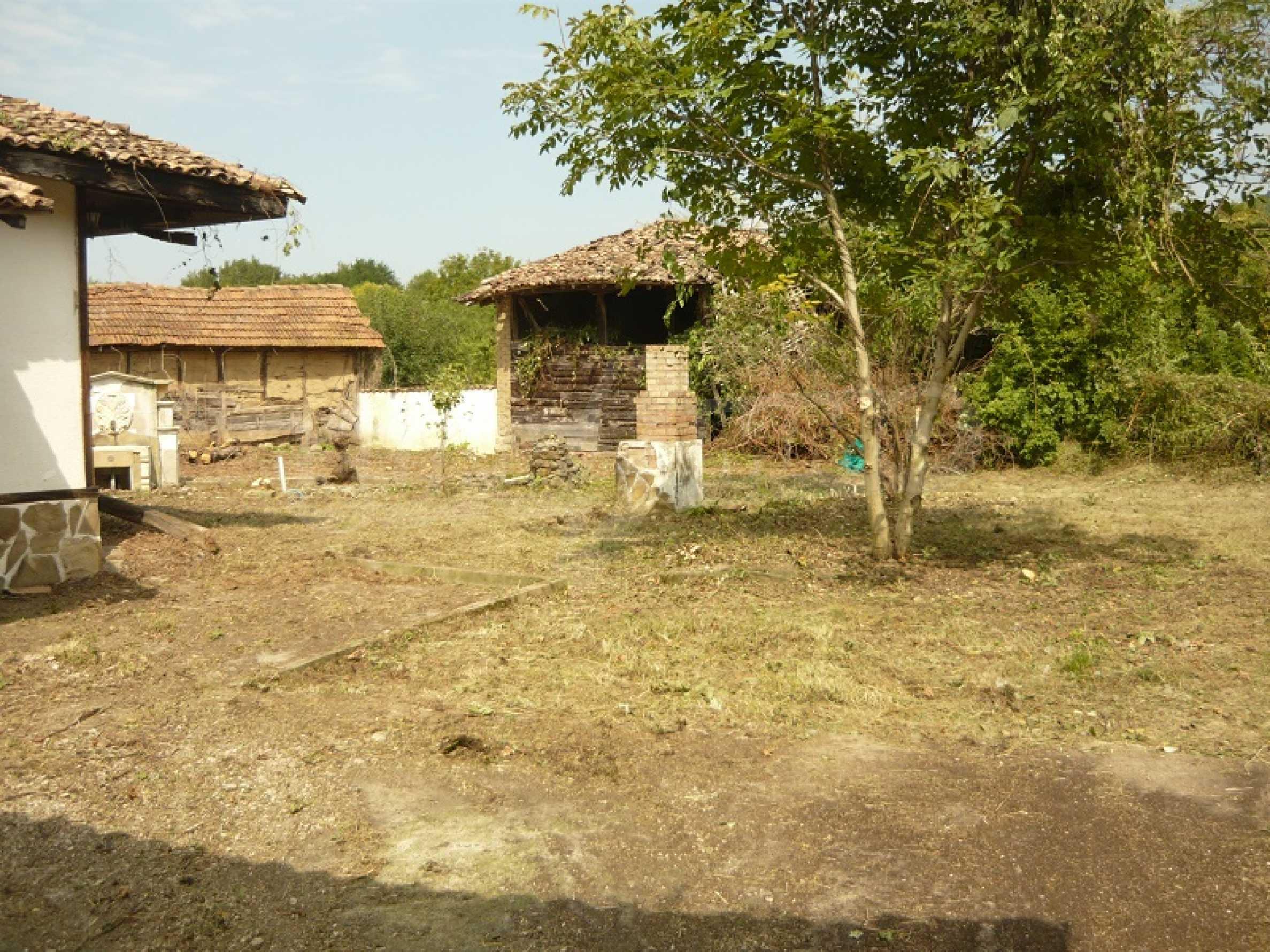 Komplett renoviertes zweistöckiges Haus in Elena Balkan 8