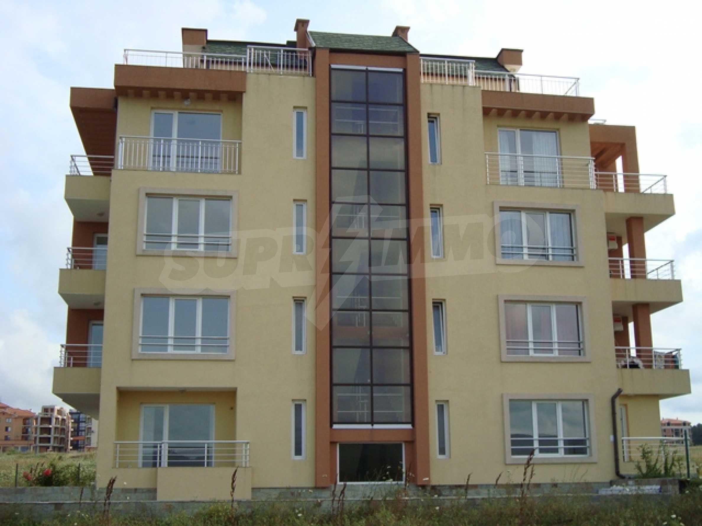 Апартаменти в нов комплекс до плажа и резерват Ропотамо в Приморско
