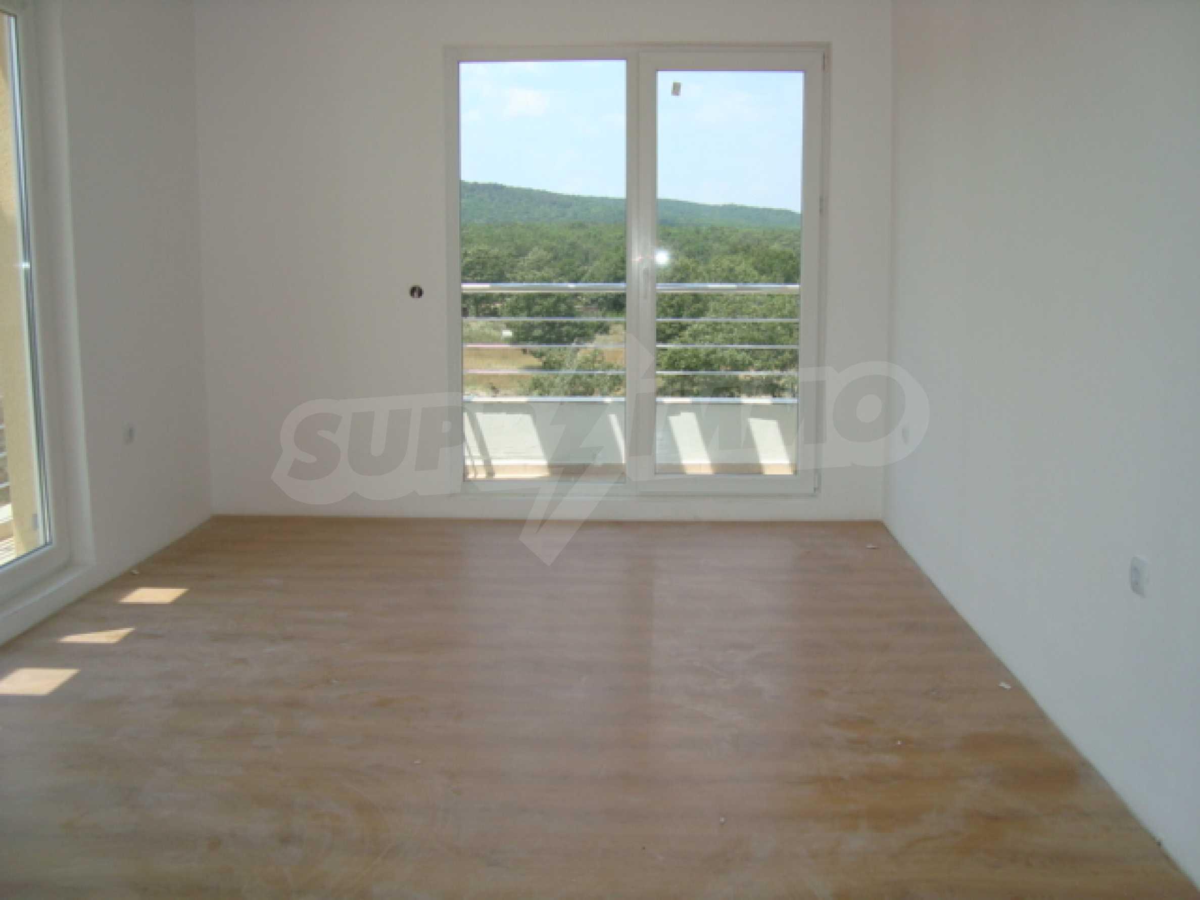 Апартаменти в нов комплекс до плажа и резерват Ропотамо в Приморско 18
