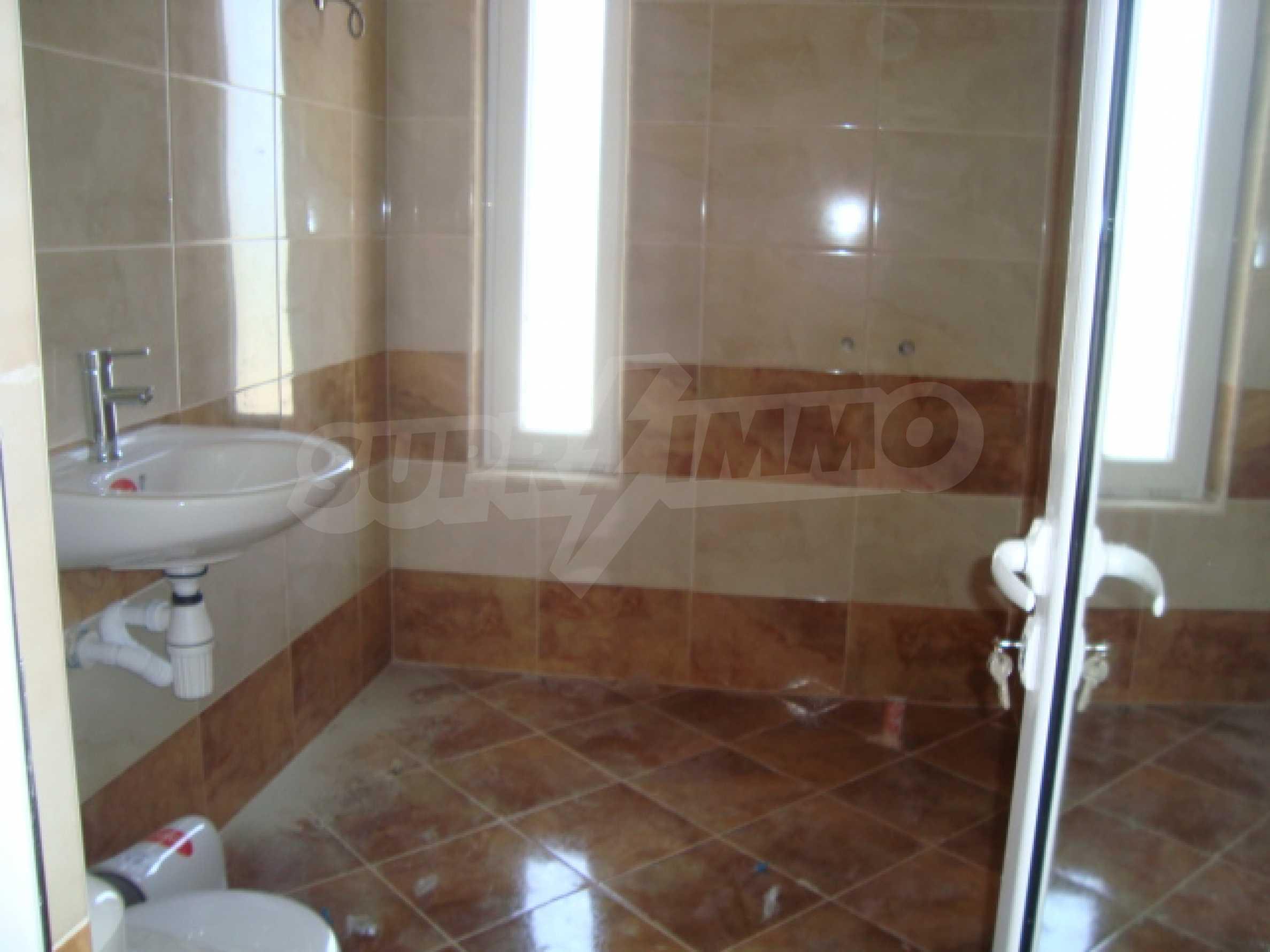 Апартаменти в нов комплекс до плажа и резерват Ропотамо в Приморско 21
