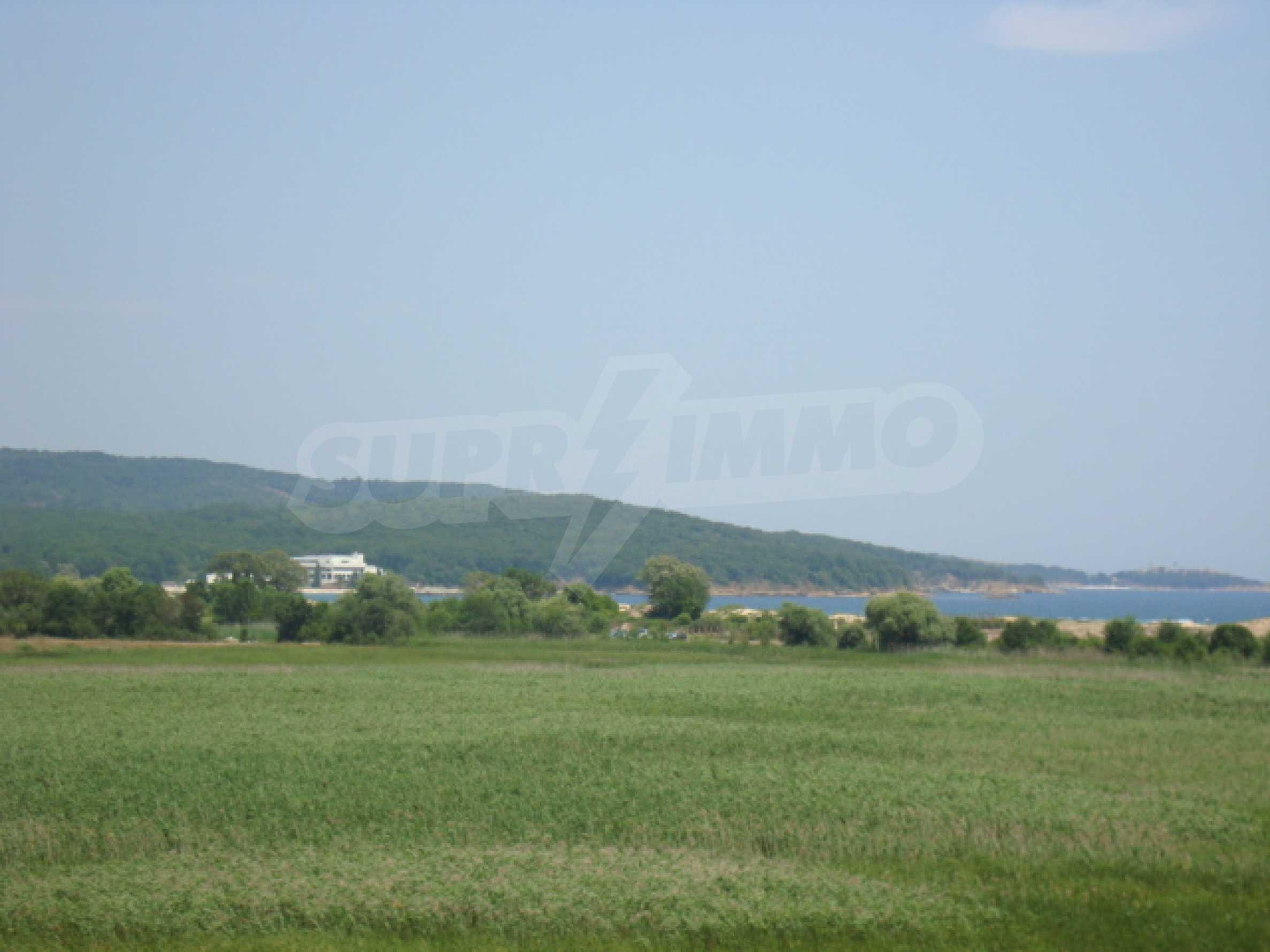 Апартаменти в нов комплекс до плажа и резерват Ропотамо в Приморско 25