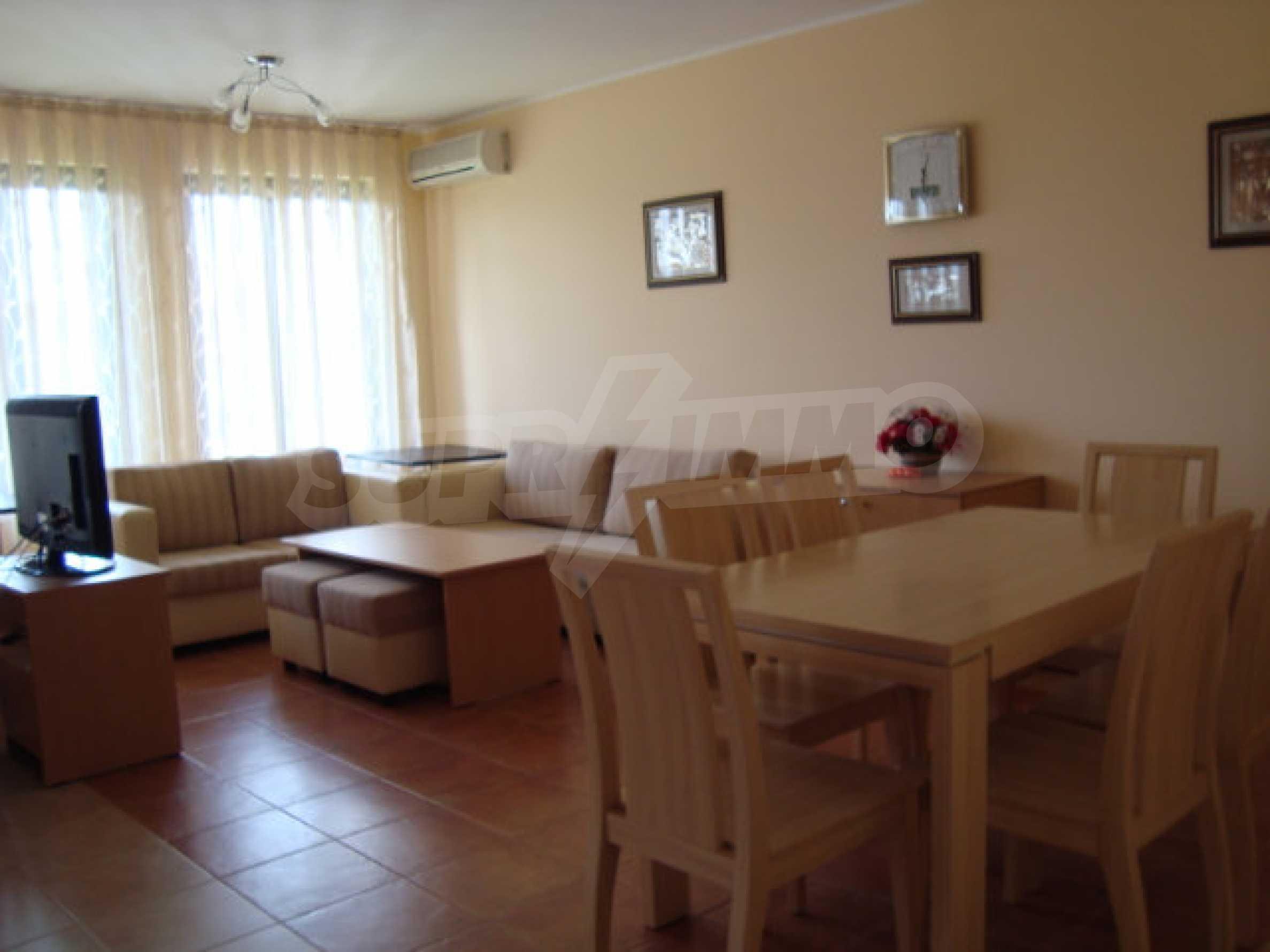 Luxus-Apartment mit zwei Schlafzimmern in einem ausgezeichneten Komplex in Chernomorets 5