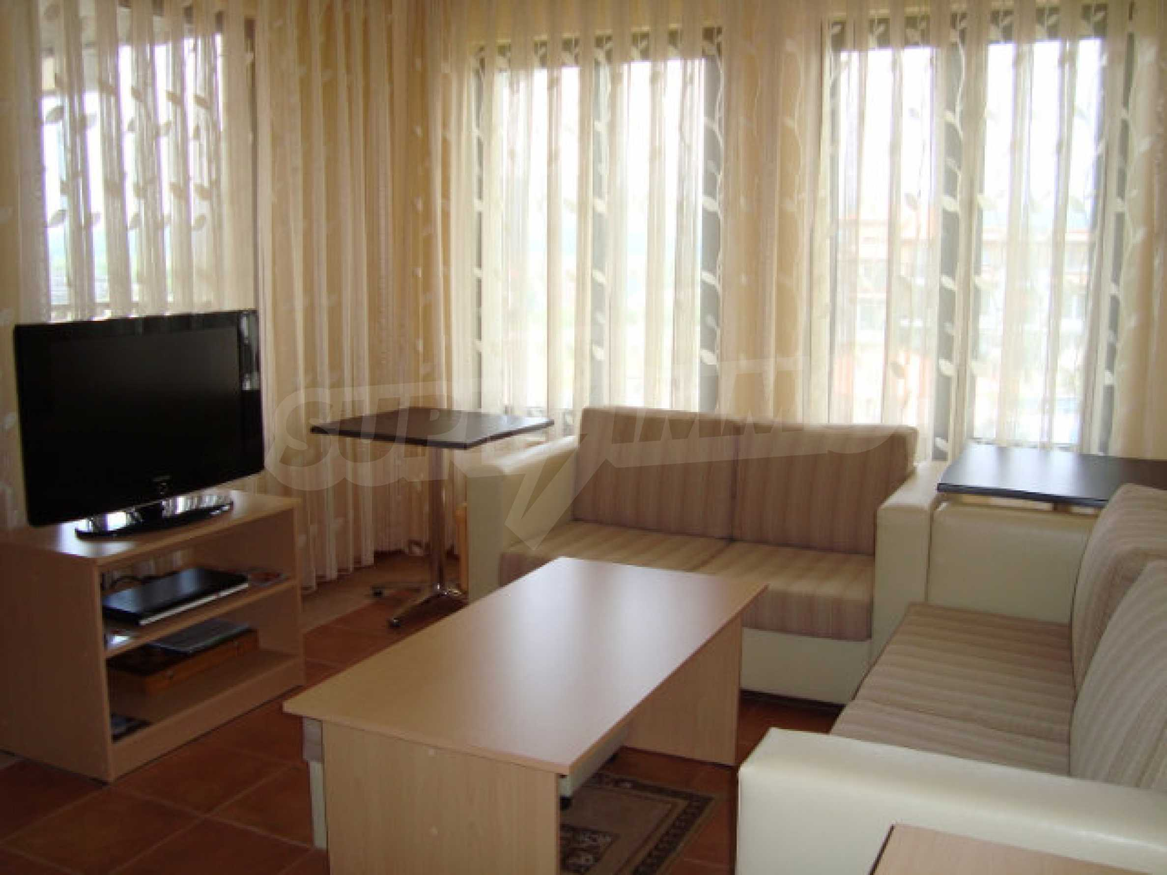 Luxus-Apartment mit zwei Schlafzimmern in einem ausgezeichneten Komplex in Chernomorets 6