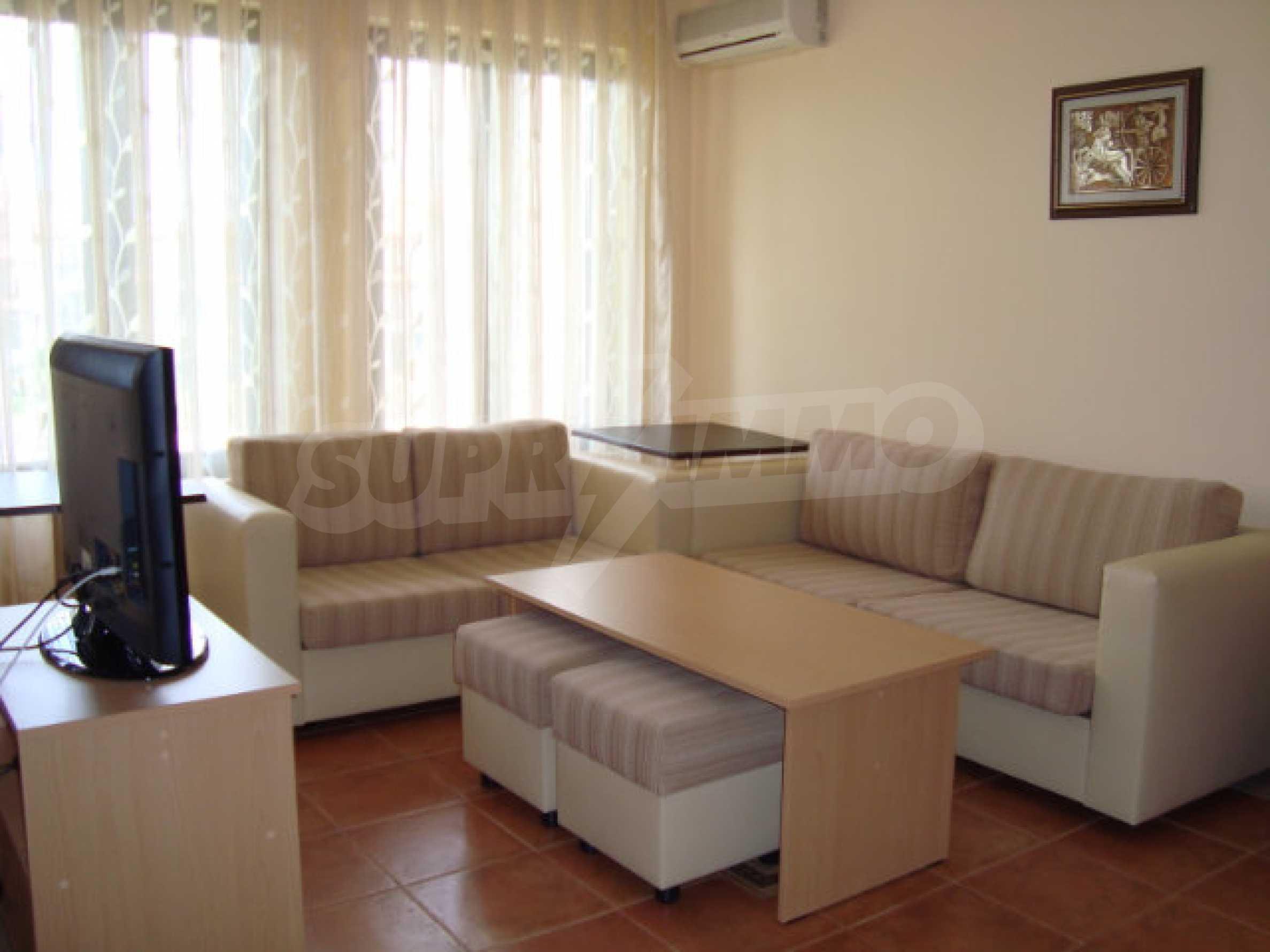 Luxus-Apartment mit zwei Schlafzimmern in einem ausgezeichneten Komplex in Chernomorets 7
